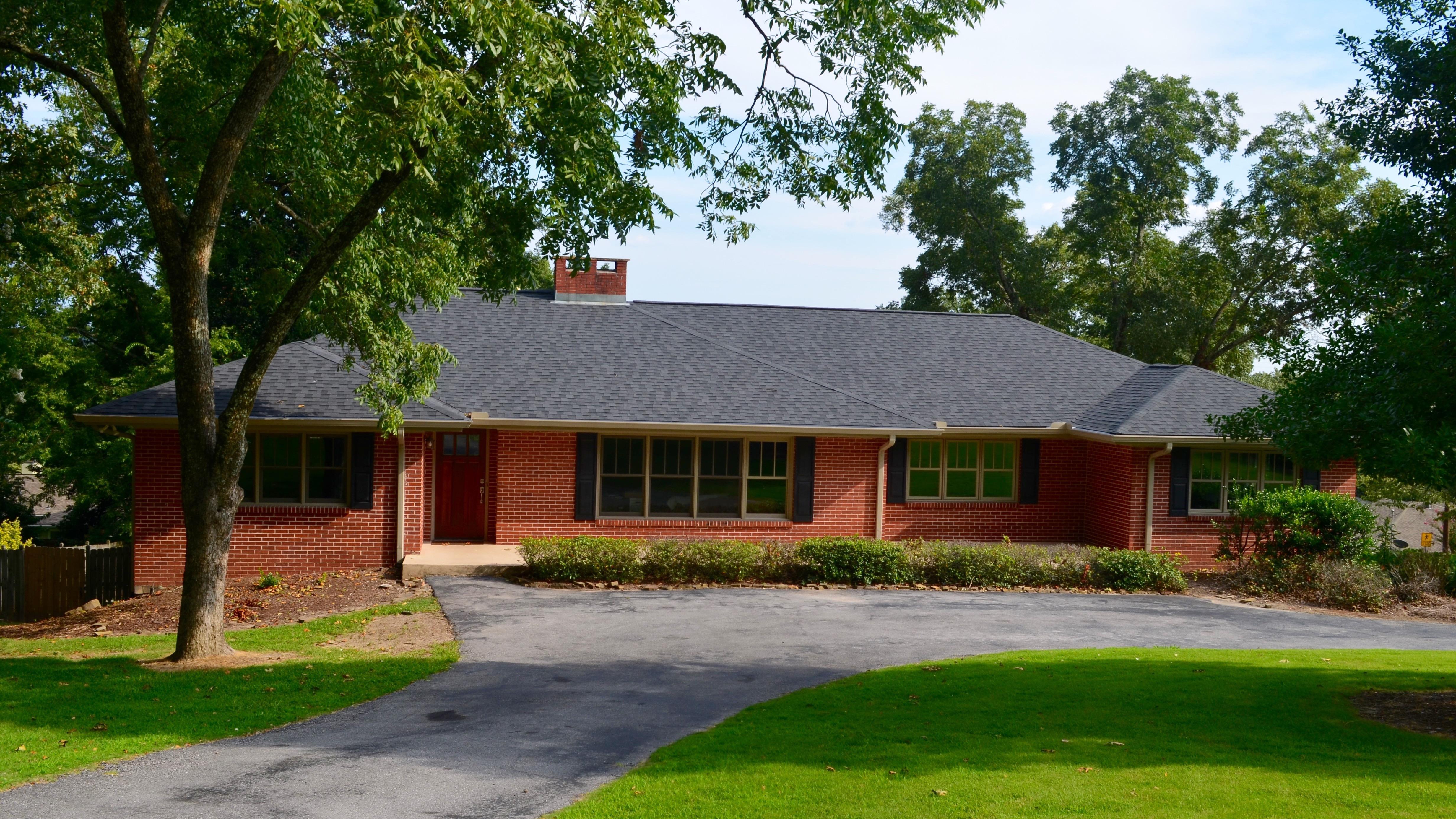 Architectural shingle roof installed in Vestavia, Alabama.
