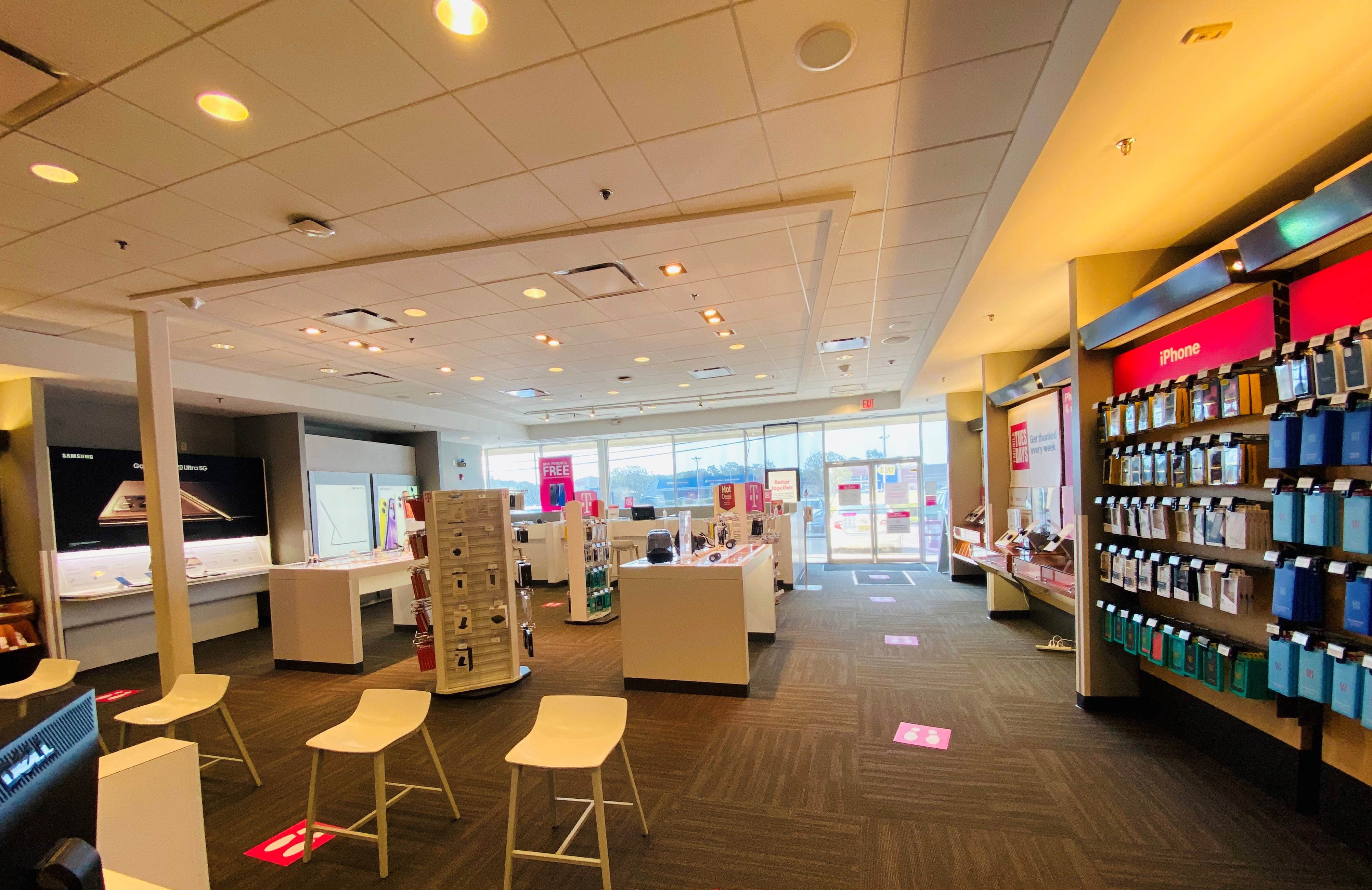 T-Mobile in Eatontown, NJ, photo #2