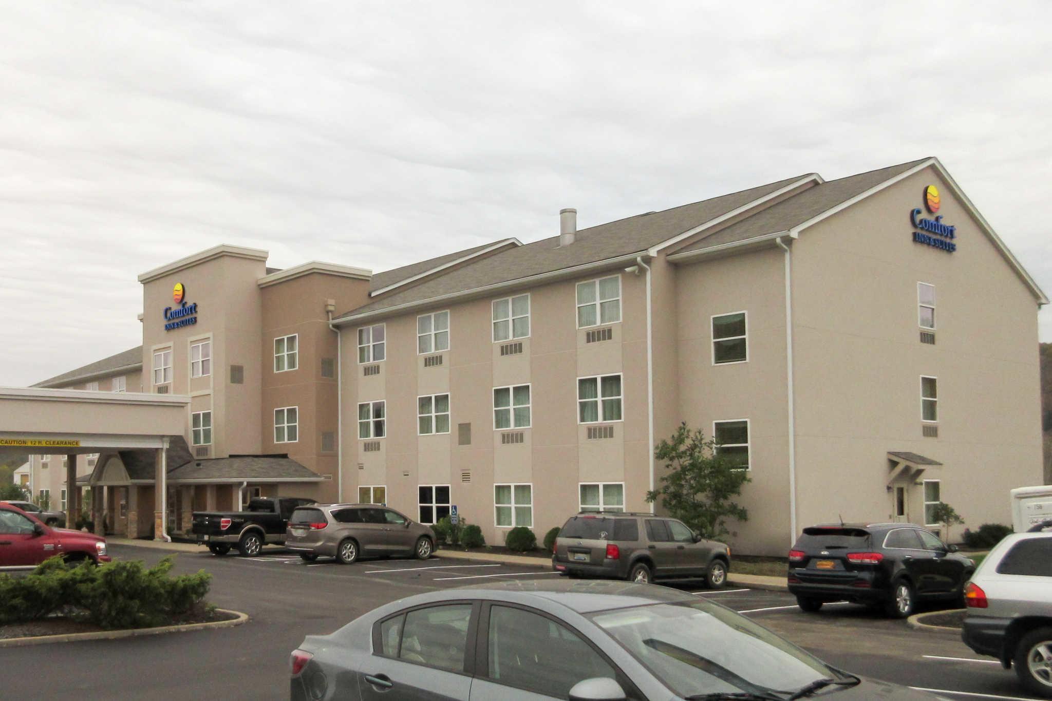 Comfort Inn Amp Suites Northern Kentucky Wilder Kentucky
