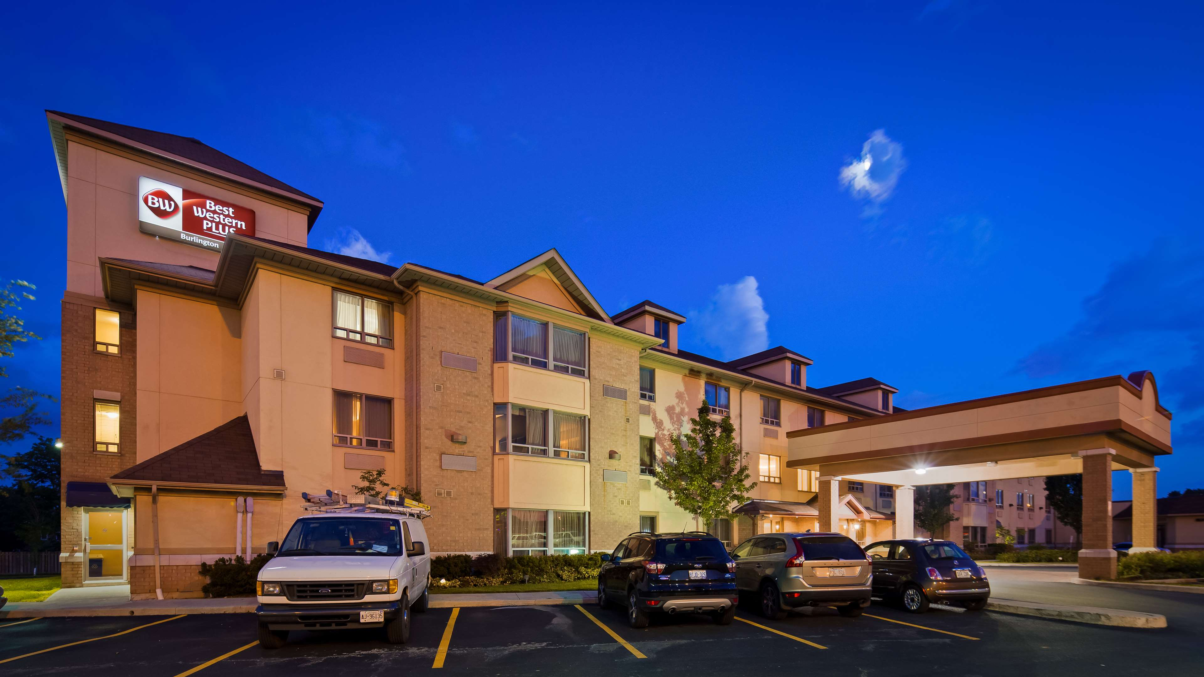 Hotel Exterior Best Western Plus Burlington Inn & Suites Burlington (905)639-2700