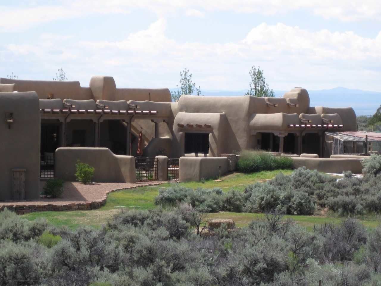 Dwh architects inc in taos nm 87571 for Architects corporation
