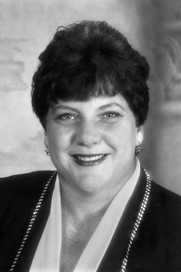Edward Jones - Financial Advisor: Joyce D Mechler