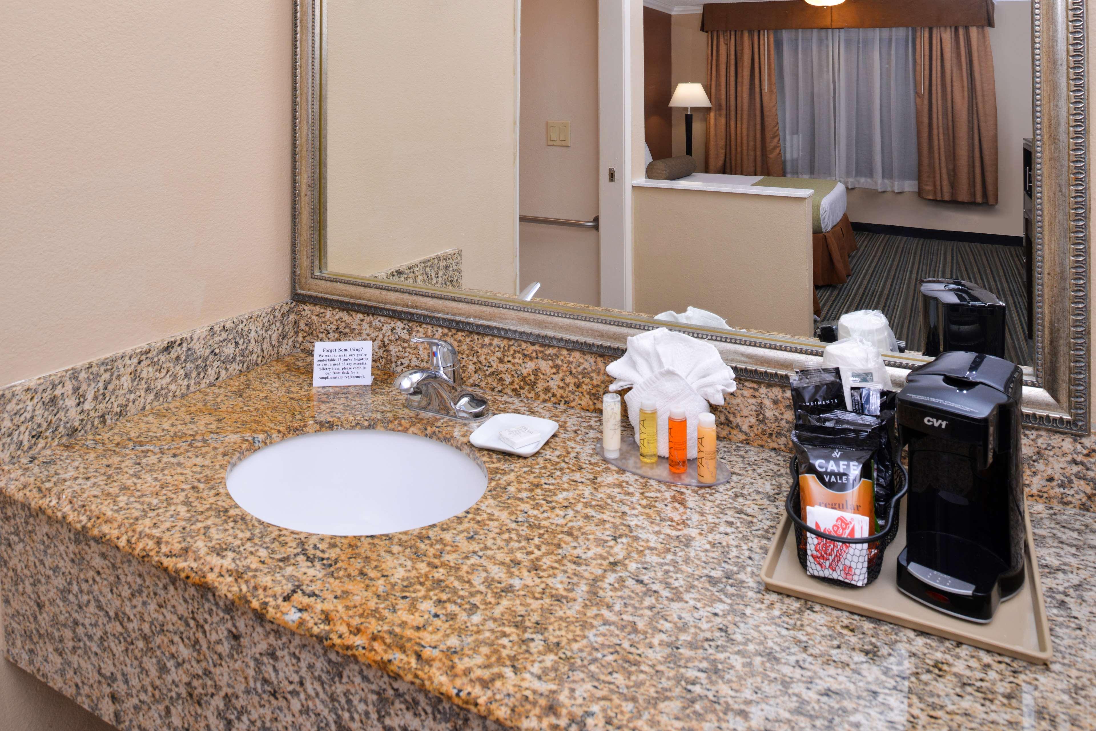 Best Western Courtesy Inn Anaheim California Ca
