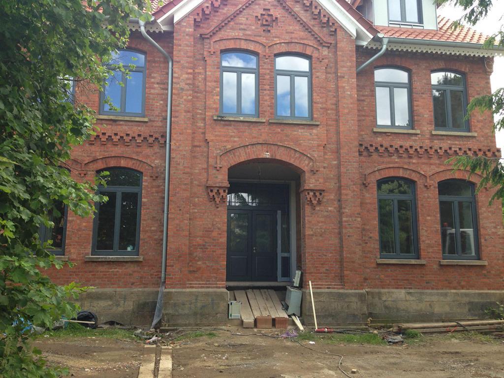 Luther bauelemente fenster t ren und rolll den in 31515 for Fenster 400x400