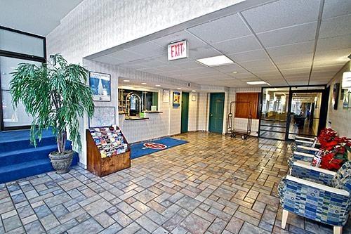 Motel 6 Washington DC image 4