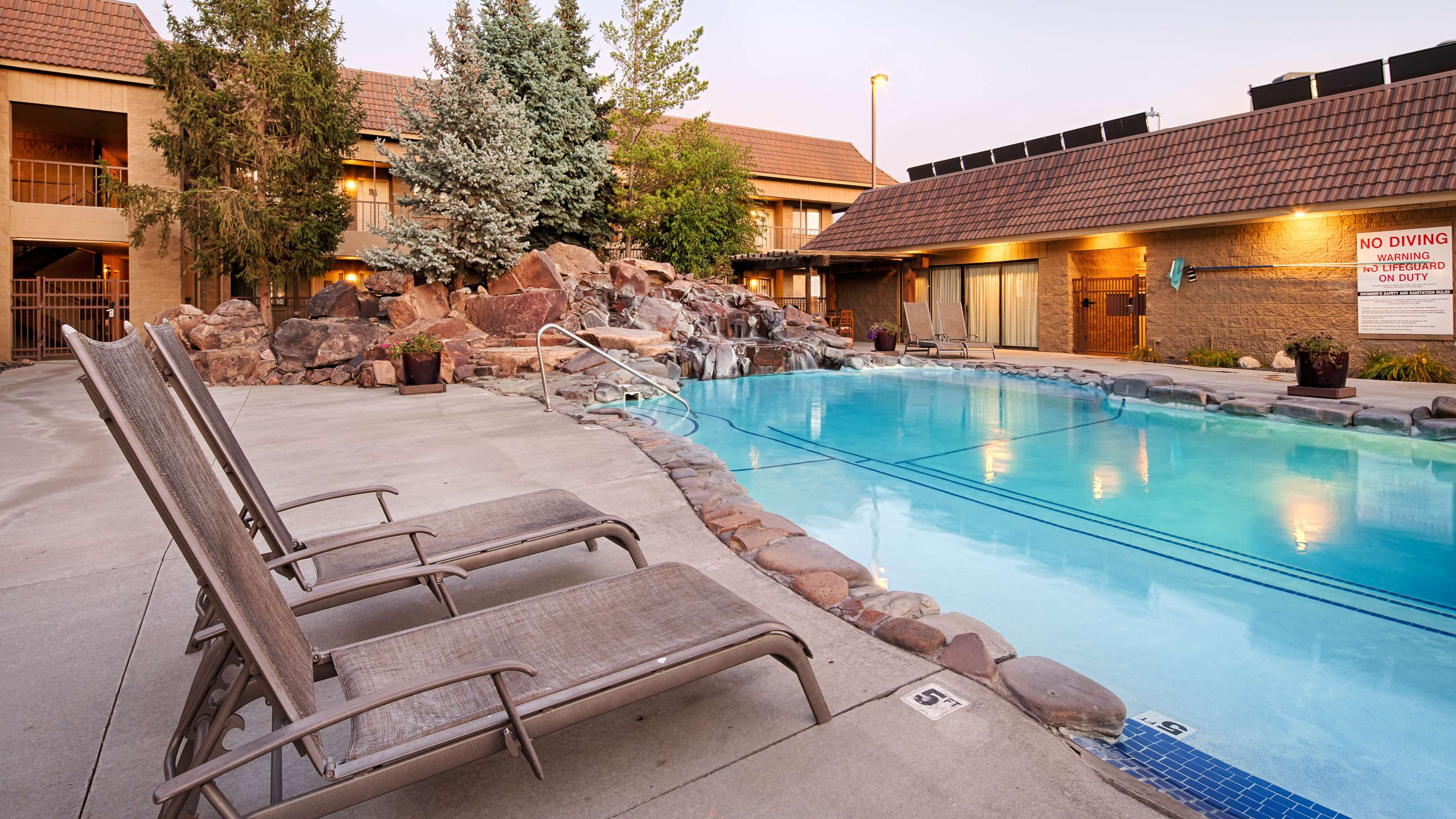 Best western foothills inn coupons near me in mountain for Mountain house coupon