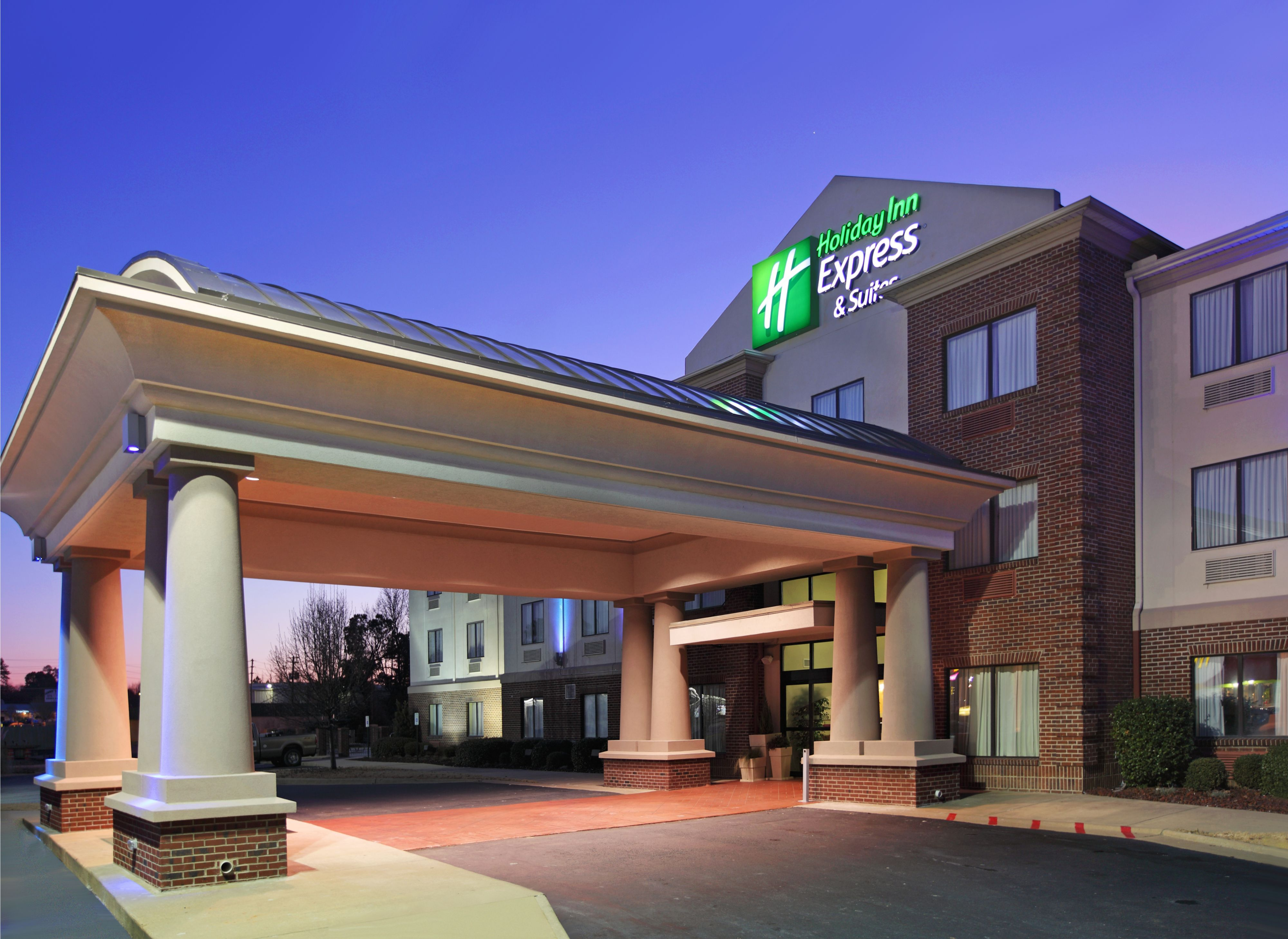 Holiday Inn Express Suites Pigeon Forge Near Dollywood In Pigeon Forge Tn 37863