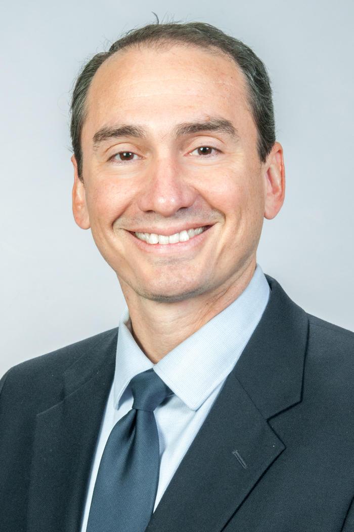 Roberto L Vargas, MD