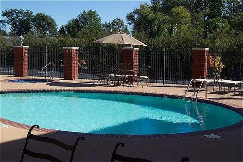Holiday Inn Express Suites Auburn University Area Auburn Alabama Al