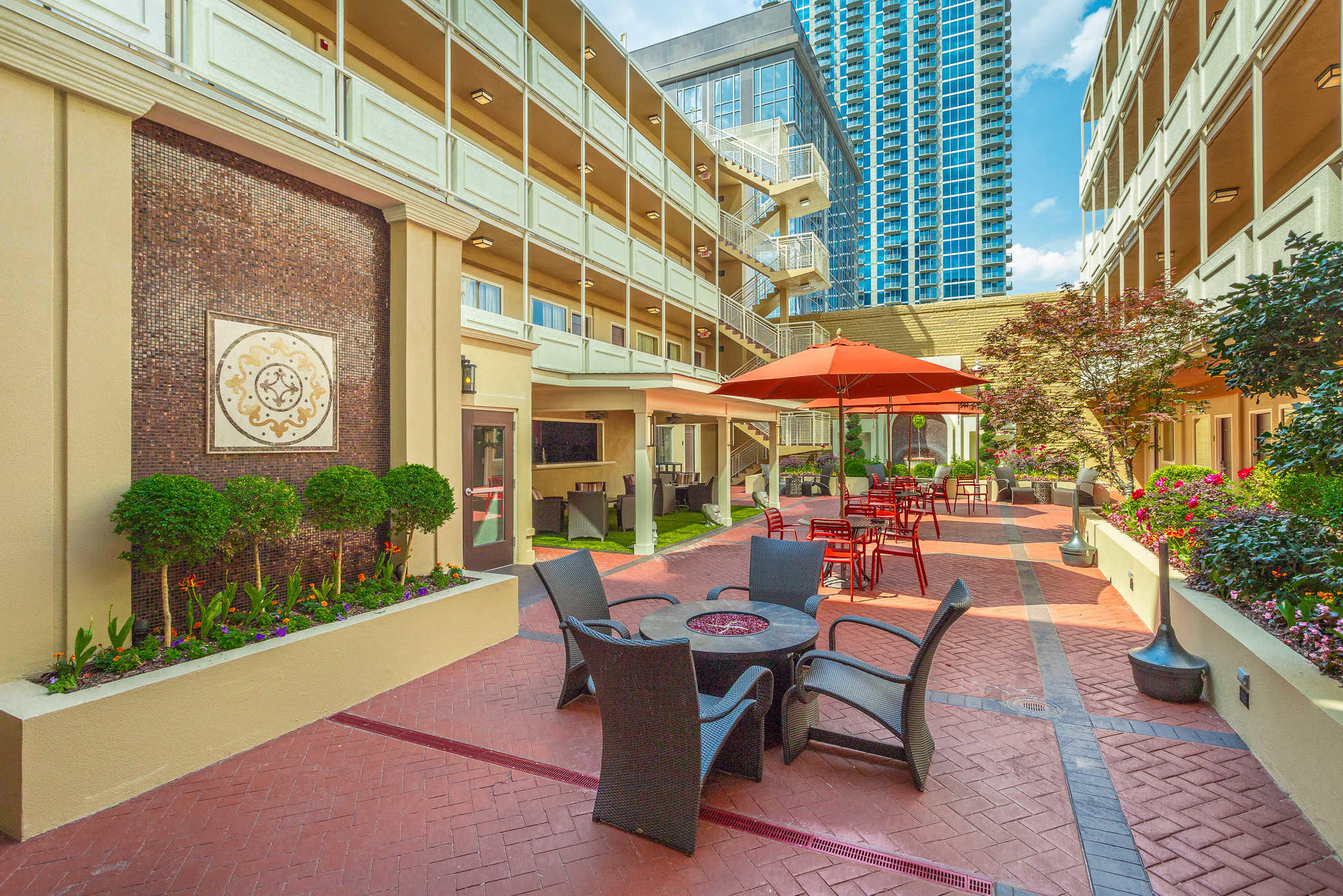 Hotels Near Dome Of Americas Center