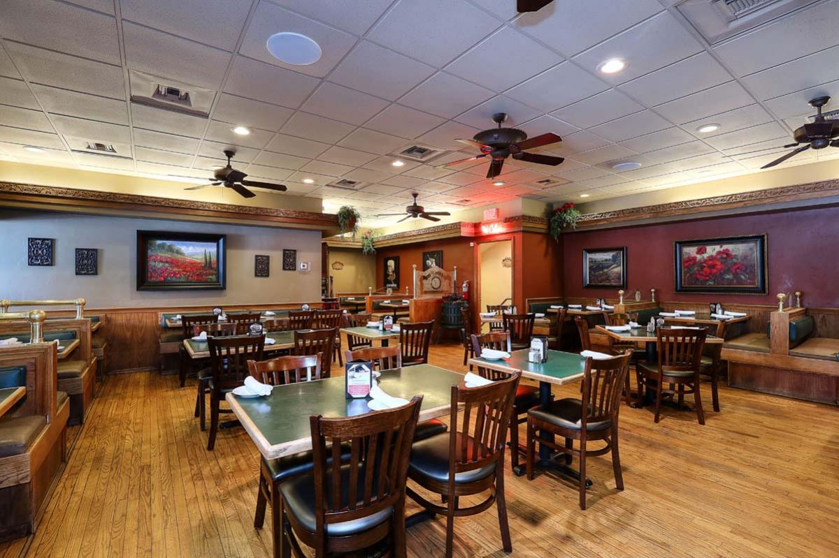 Restaurants Italian Near Me: Vito's Pizza & Italian Ristorante Coupons Mesa AZ Near Me