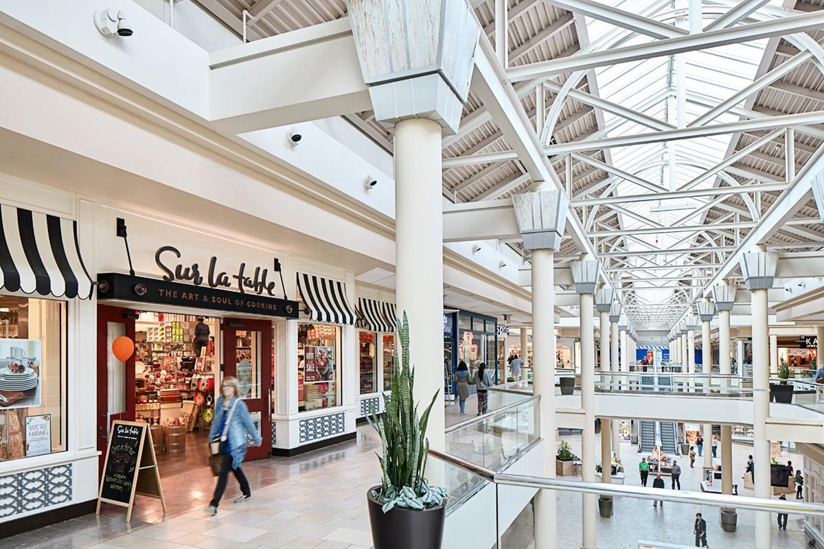 Burlington Coat Factory locations in Palo Alto, CA Below is a list of Burlington Coat Factory mall/outlet store locations in Palo Alto, California - including store address, hours and phone numbers. There are 9 Burlington Coat Factory mall stores in California, with 4 locations in or near Palo Alto .