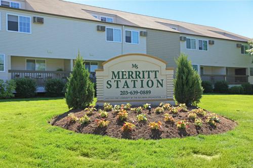 Merritt Station Apartments & Townhomes