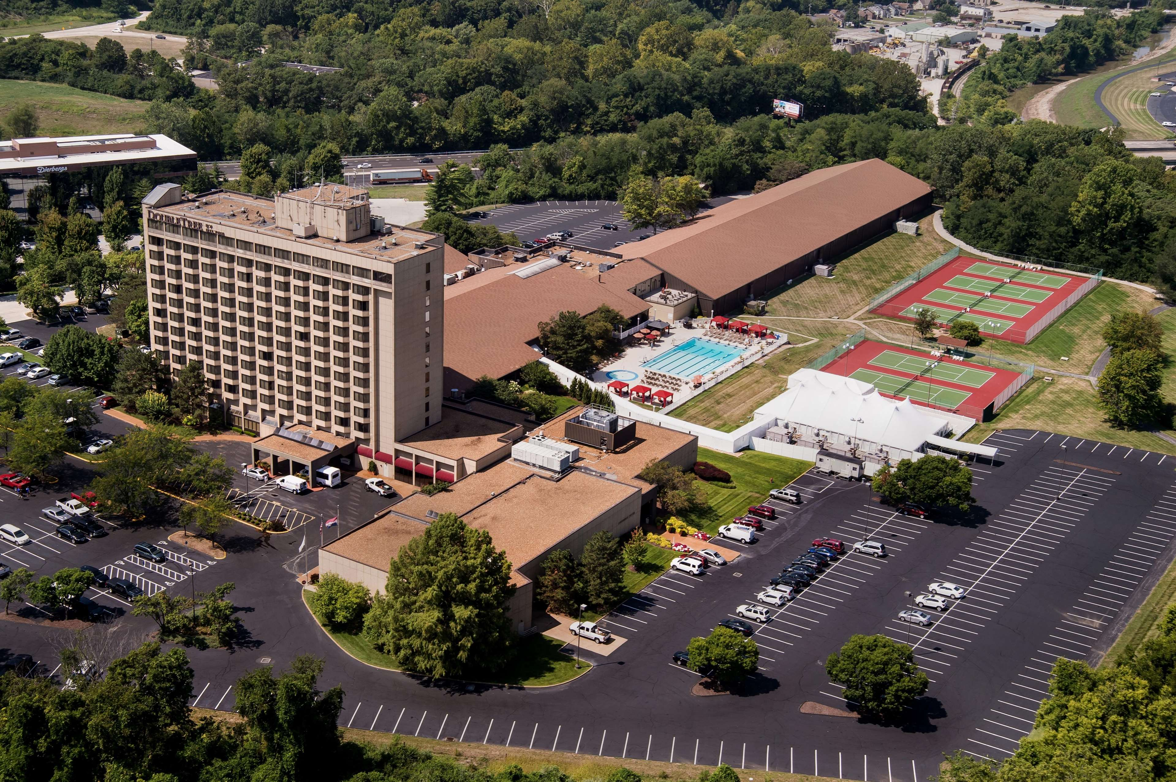 Doubletree By Hilton Hotel St Louis Chesterfield Chesterfield Missouri Mo