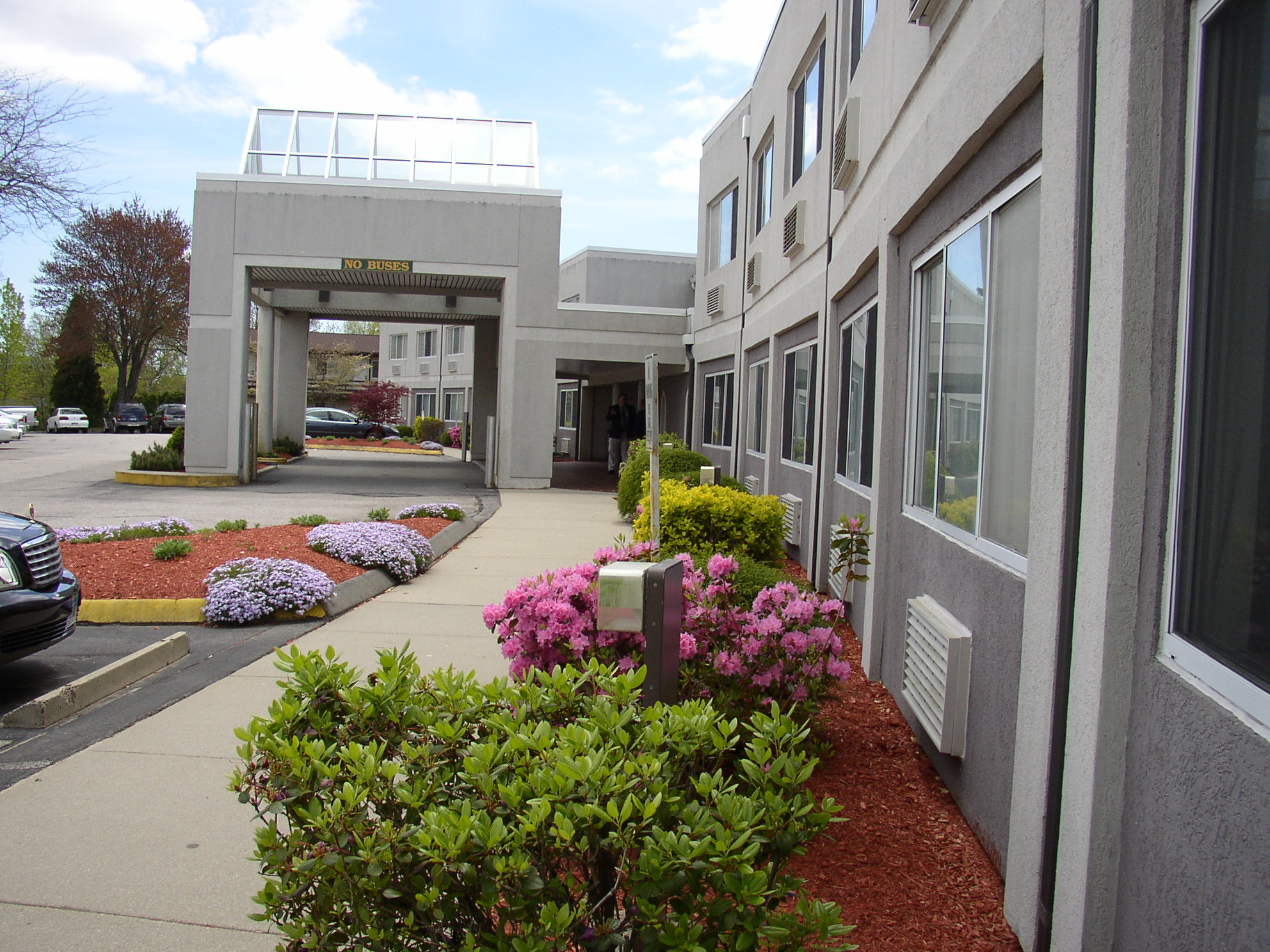 Groton Inn Suites At 99 Gold Star Highway Groton Ct On