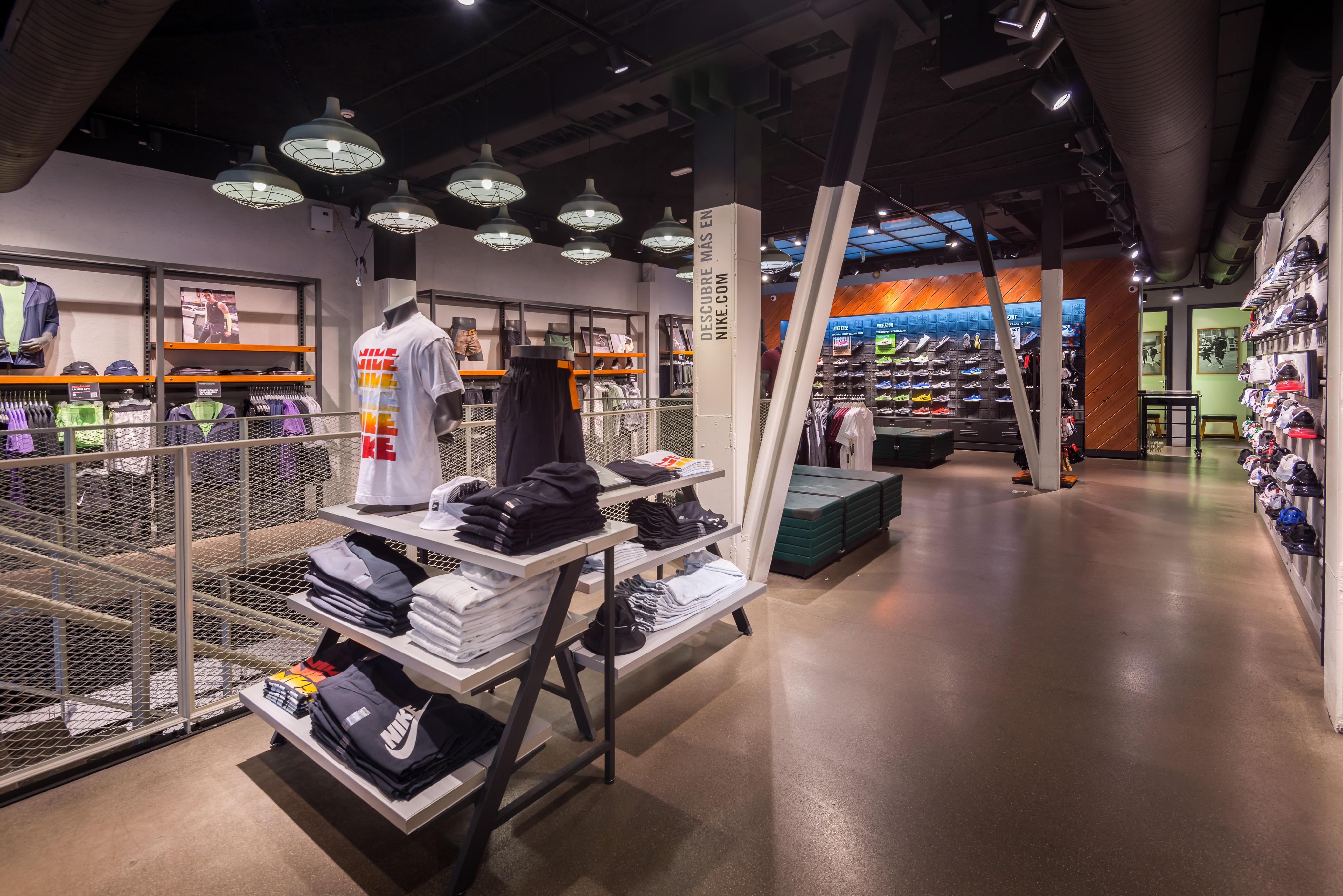 aprendiz Quejar Impresionante  Nike Store Serrano - Sports And Leisure:Articles And Apparel ...