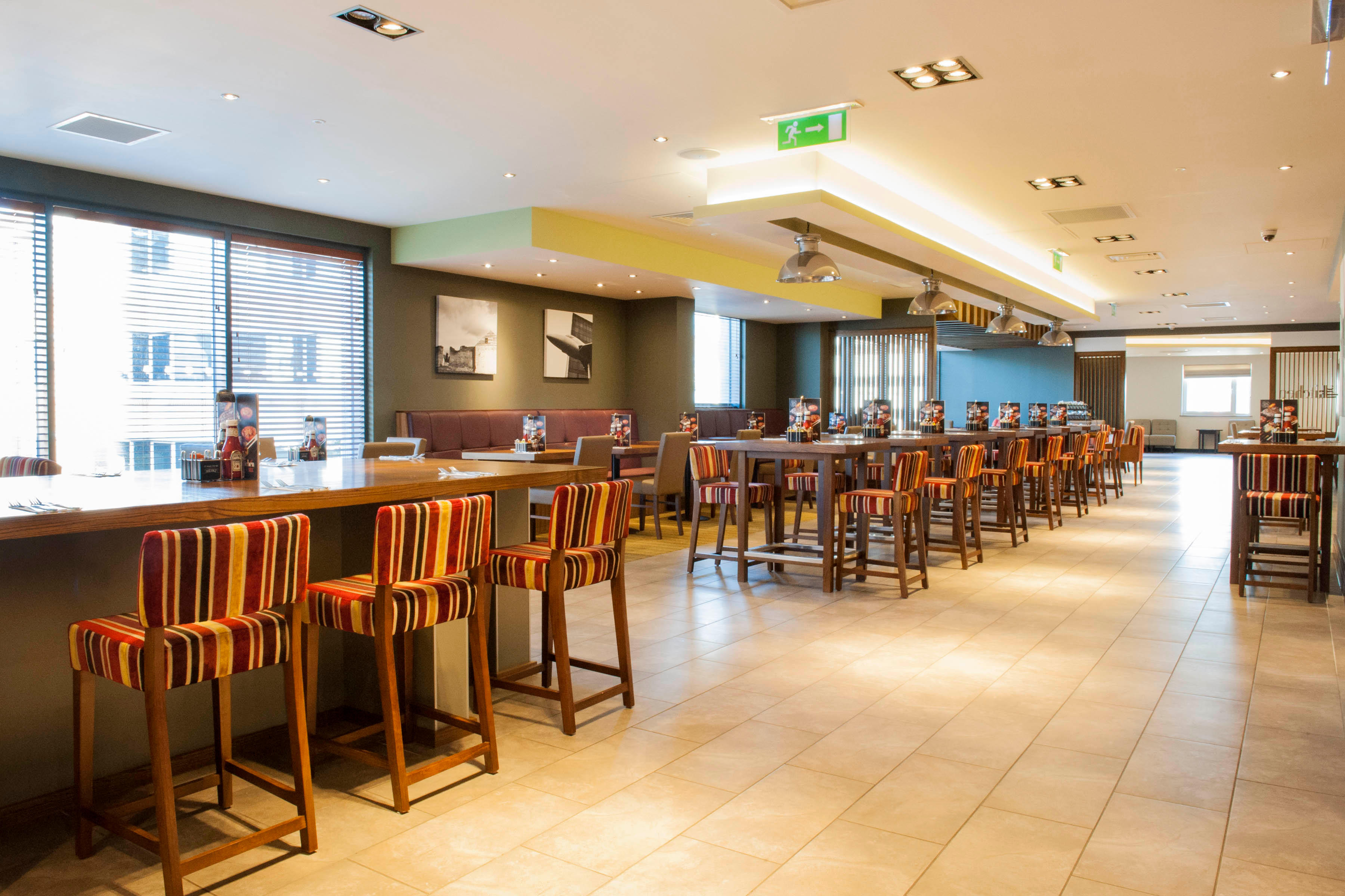 The Kitchen restaurant Premier Inn Woking Town Centre hotel Woking 03333 219329