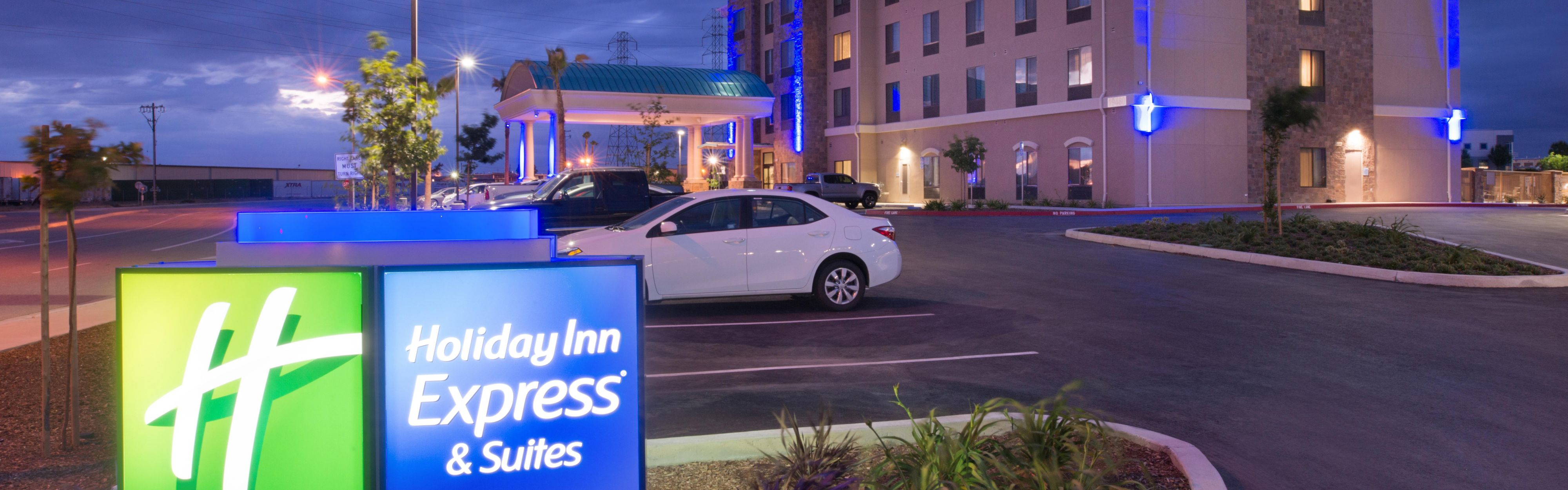 Holiday Inn Express Amp Suites Bakersfield Airport
