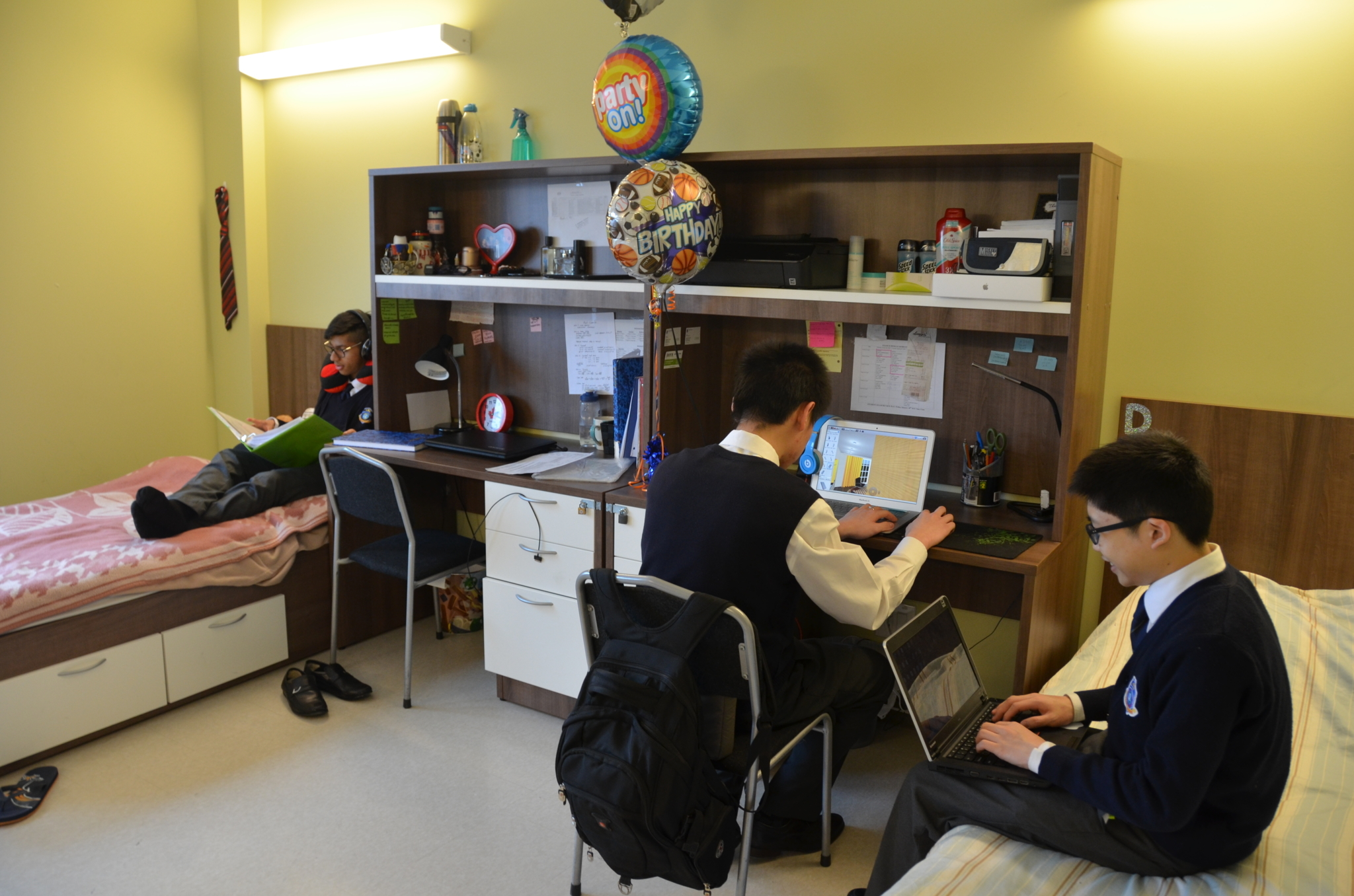 J Addison School in Markham: J. Addison Private Boarding School has its own fully-equipped dormitory for our international students.