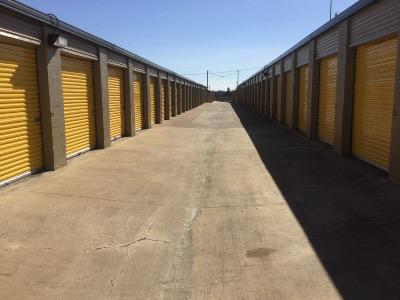 Life Storage in Arlington TX Chamberof merce