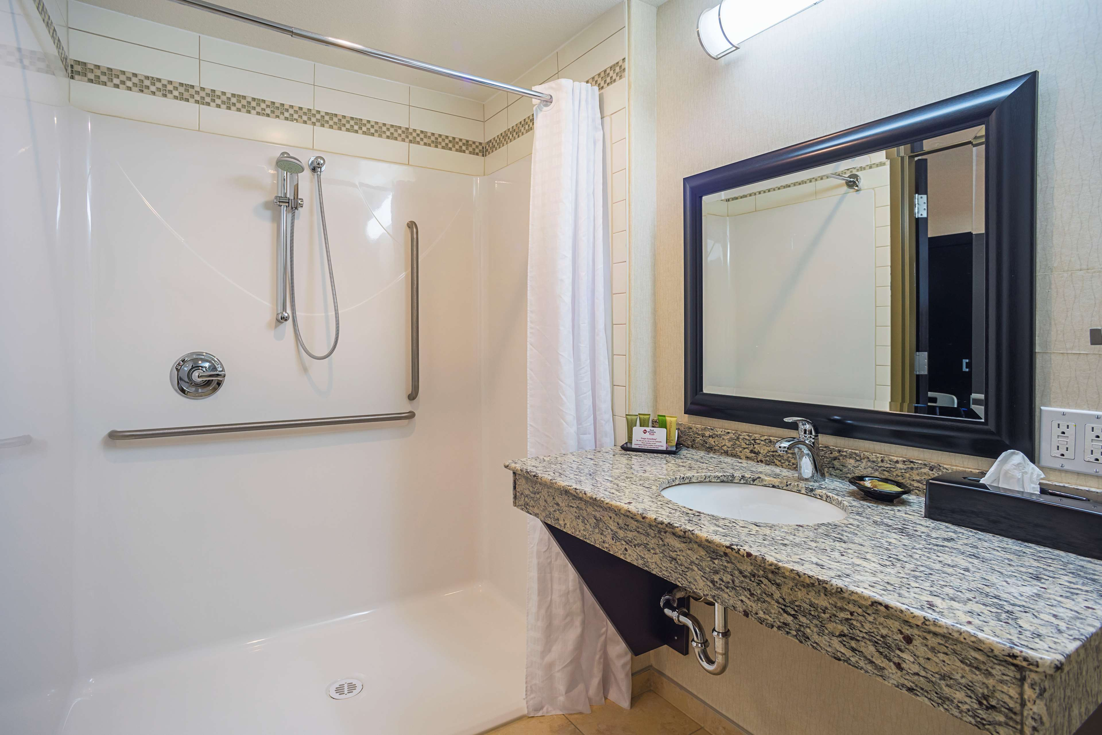 We designed our mobility accessible Best Western Wainwright Inn & Suites Wainwright (780)845-9934