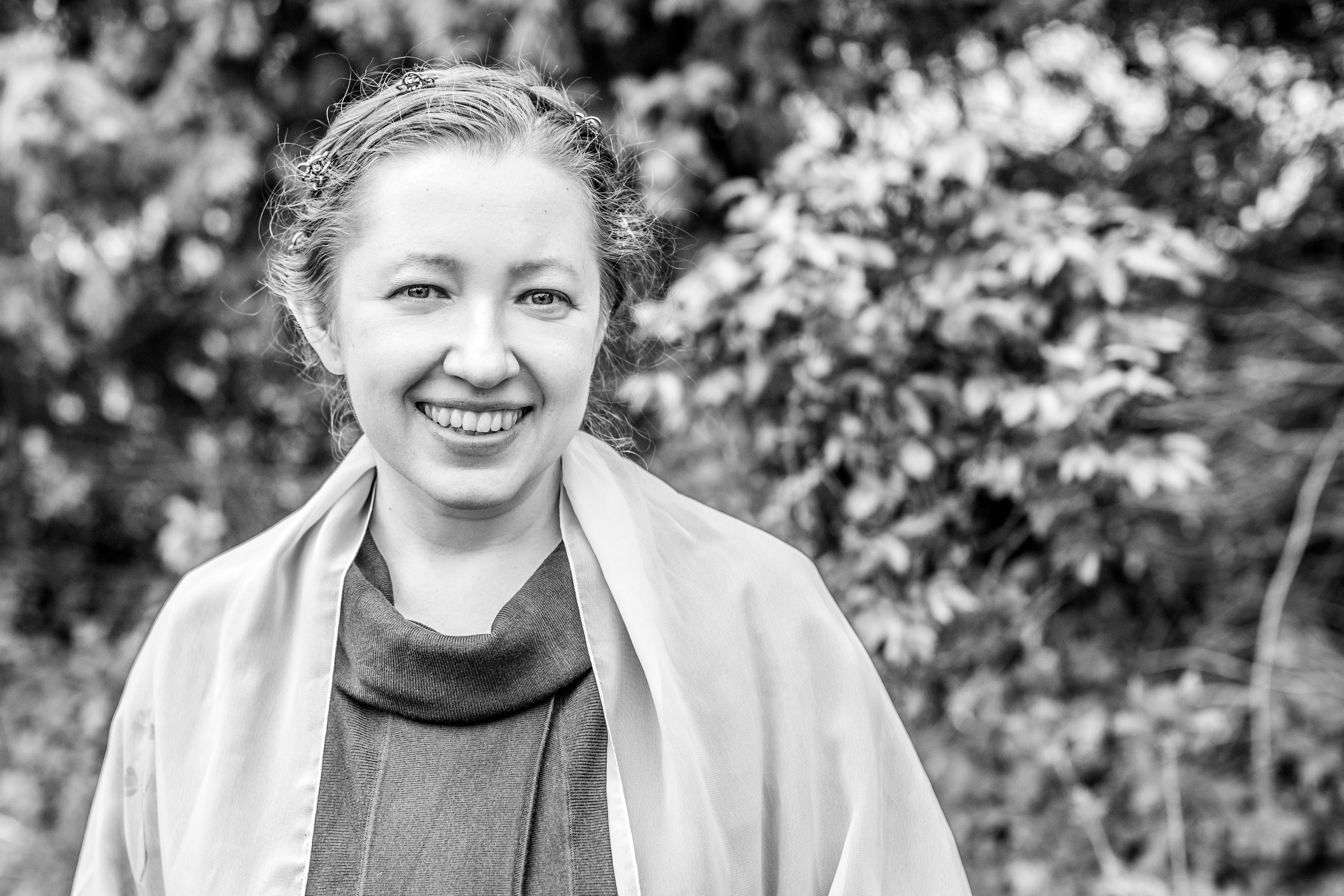 Dolmetscher, Übersetzer   (Russisch, Engl. Franz.)  Deutschunterricht Vera Menzel Bonn Bonn