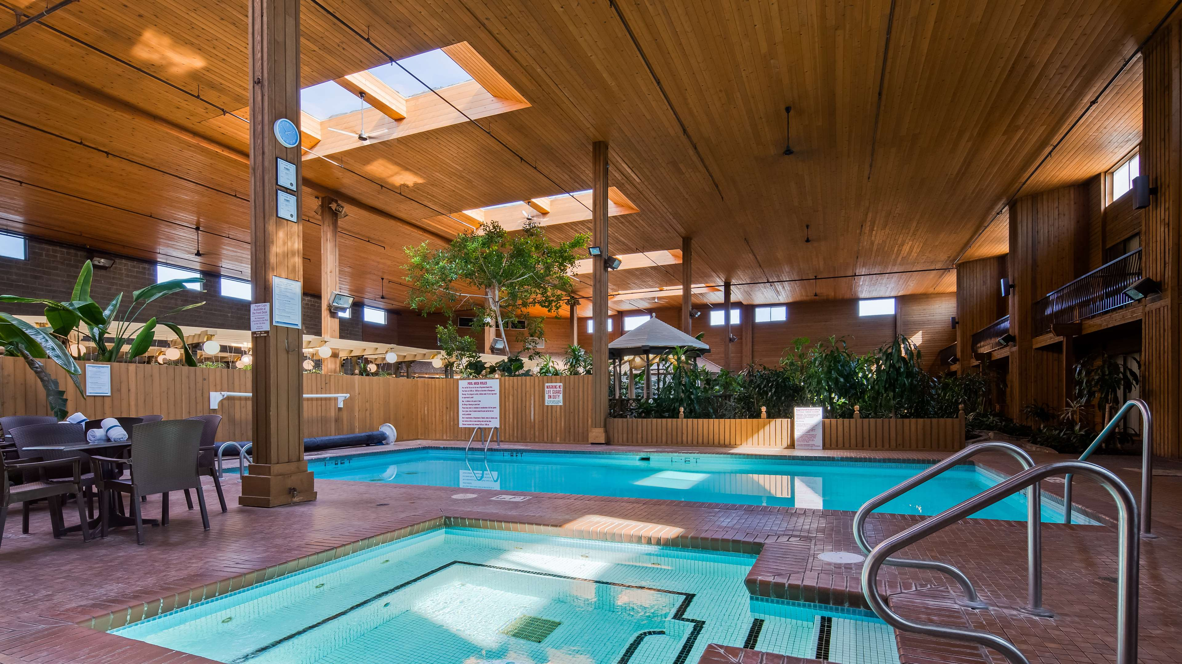 Surestay Hotel By Best Western Chilliwack in Chilliwack: Indoor Hot Tub and Pool