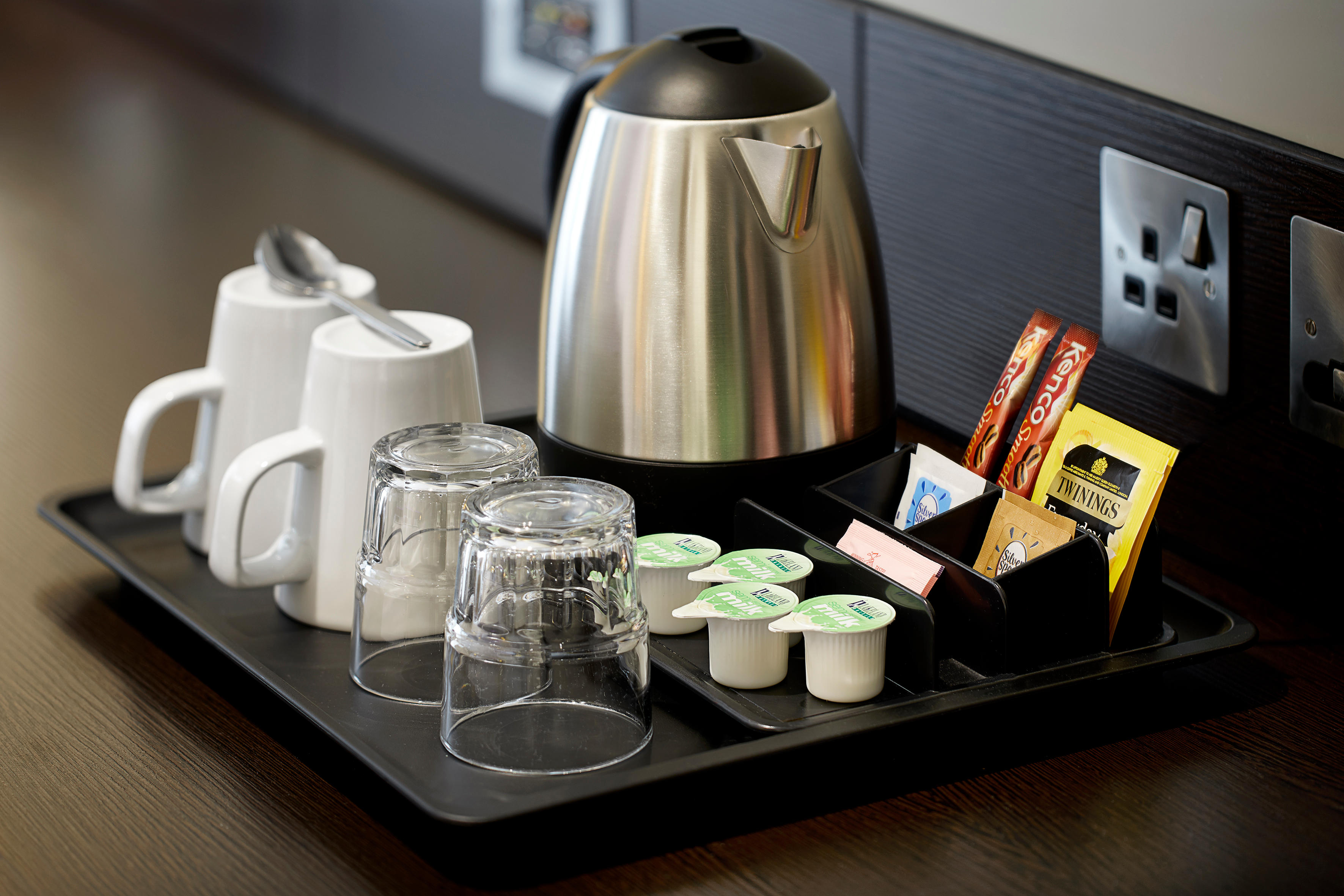 Premier Inn bedroom with tea/coffee-making facilities Premier Inn Lowestoft hotel Lowestoft 03333 211281