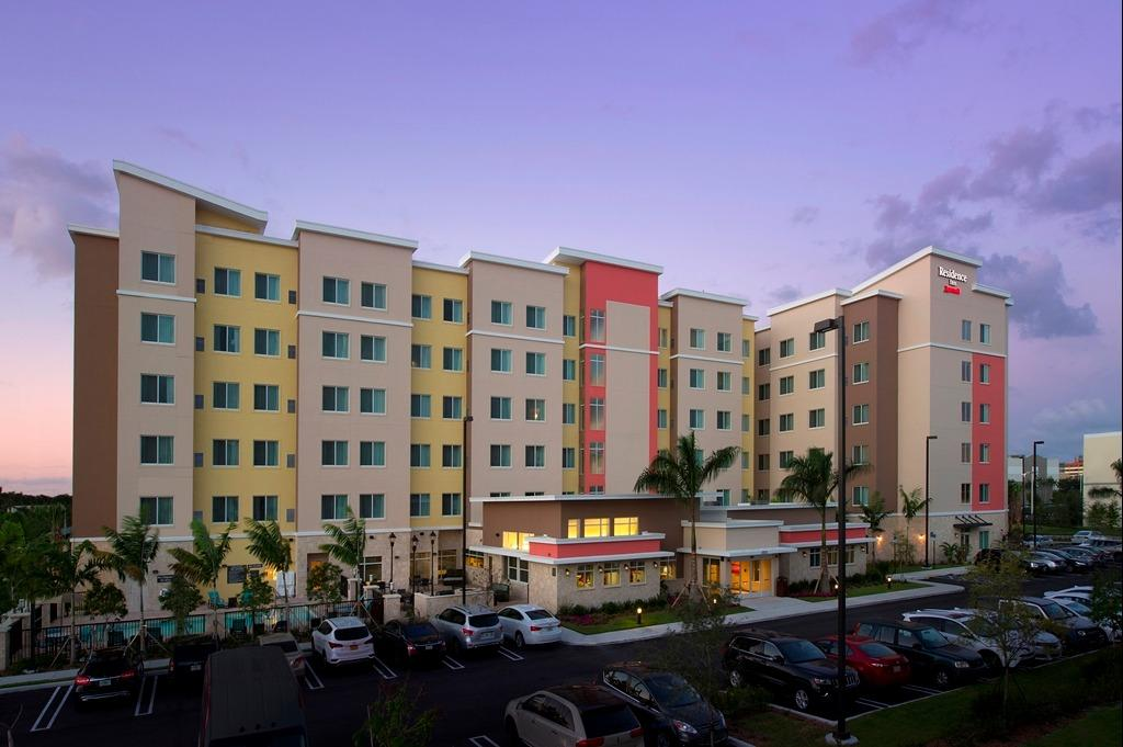 Residence inn by marriott miami airport west doral doral for Miami pet friendly hotels