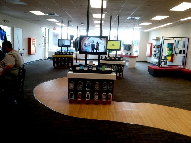 Images Verizon Authorized Retailer, TCC