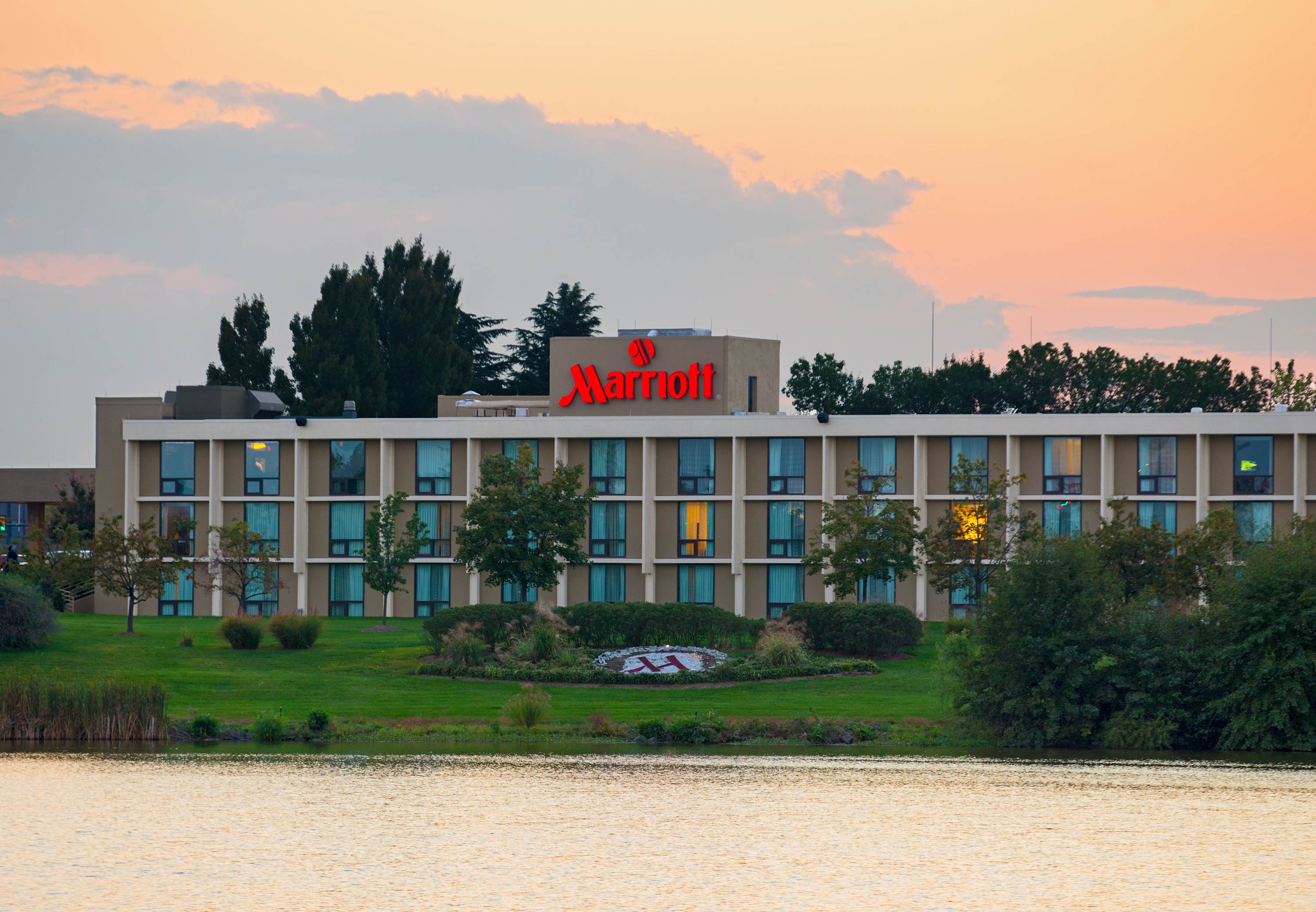 Marriott Hotels Near Sterling Va