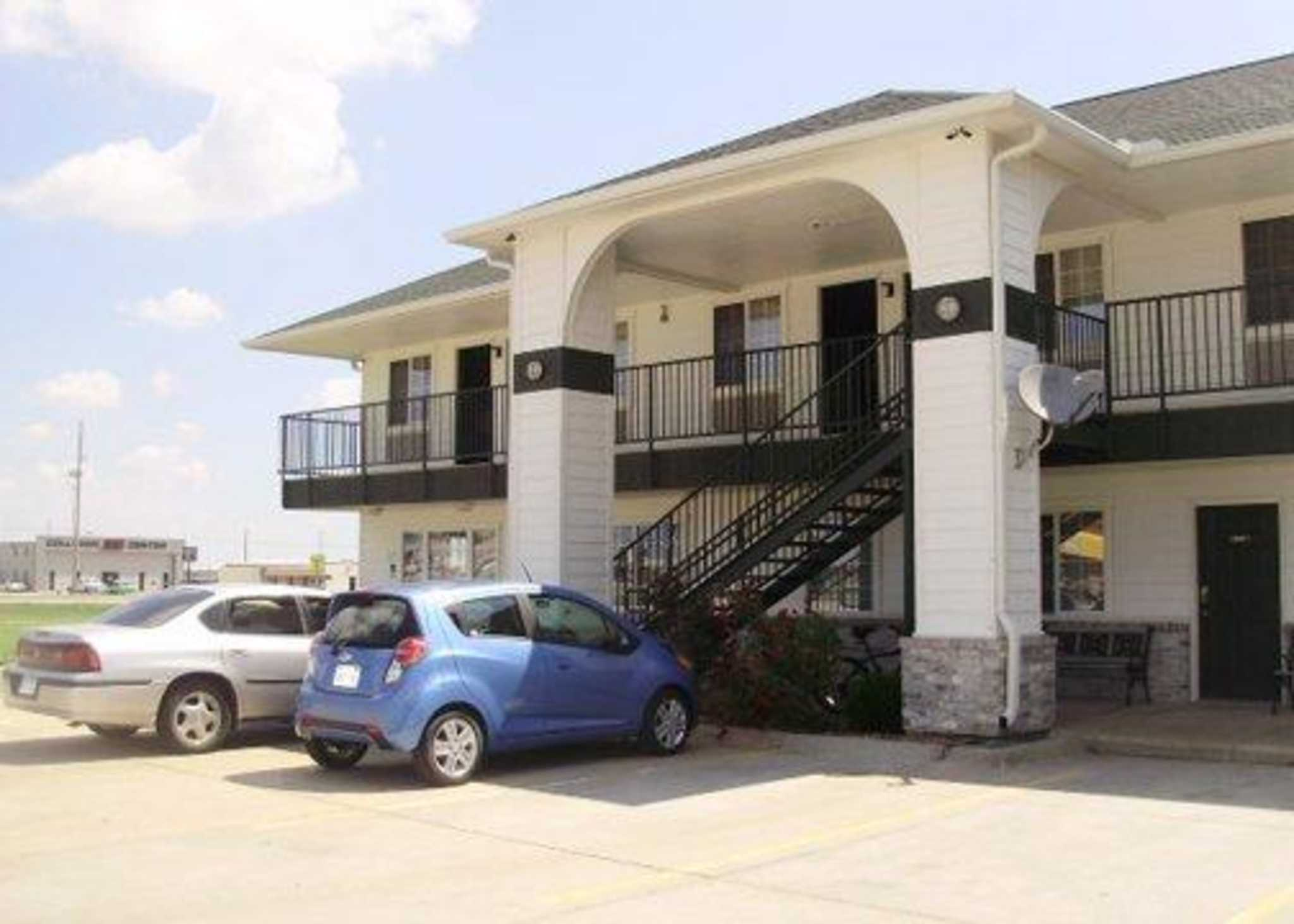 Hotels Near Tanganyika Wildlife Park