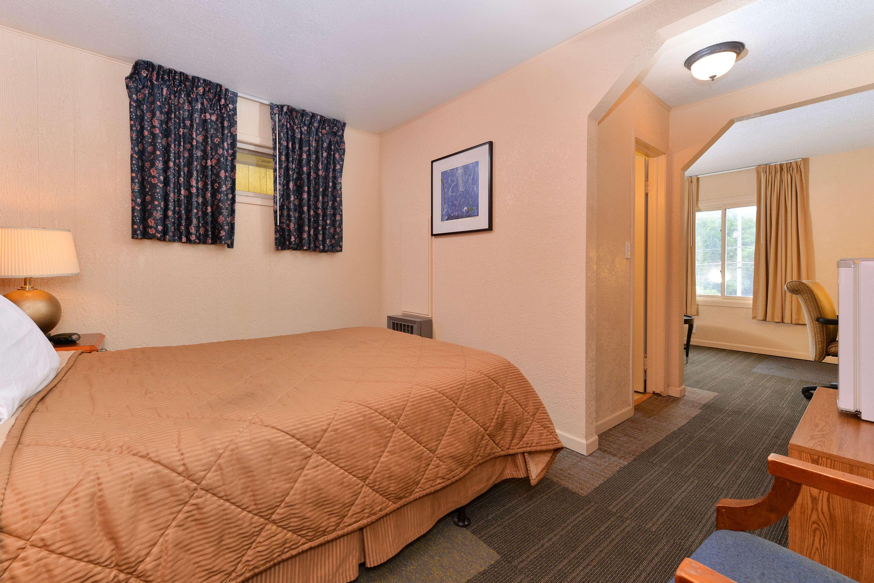 Oskaloosa Ia Hotels Motels