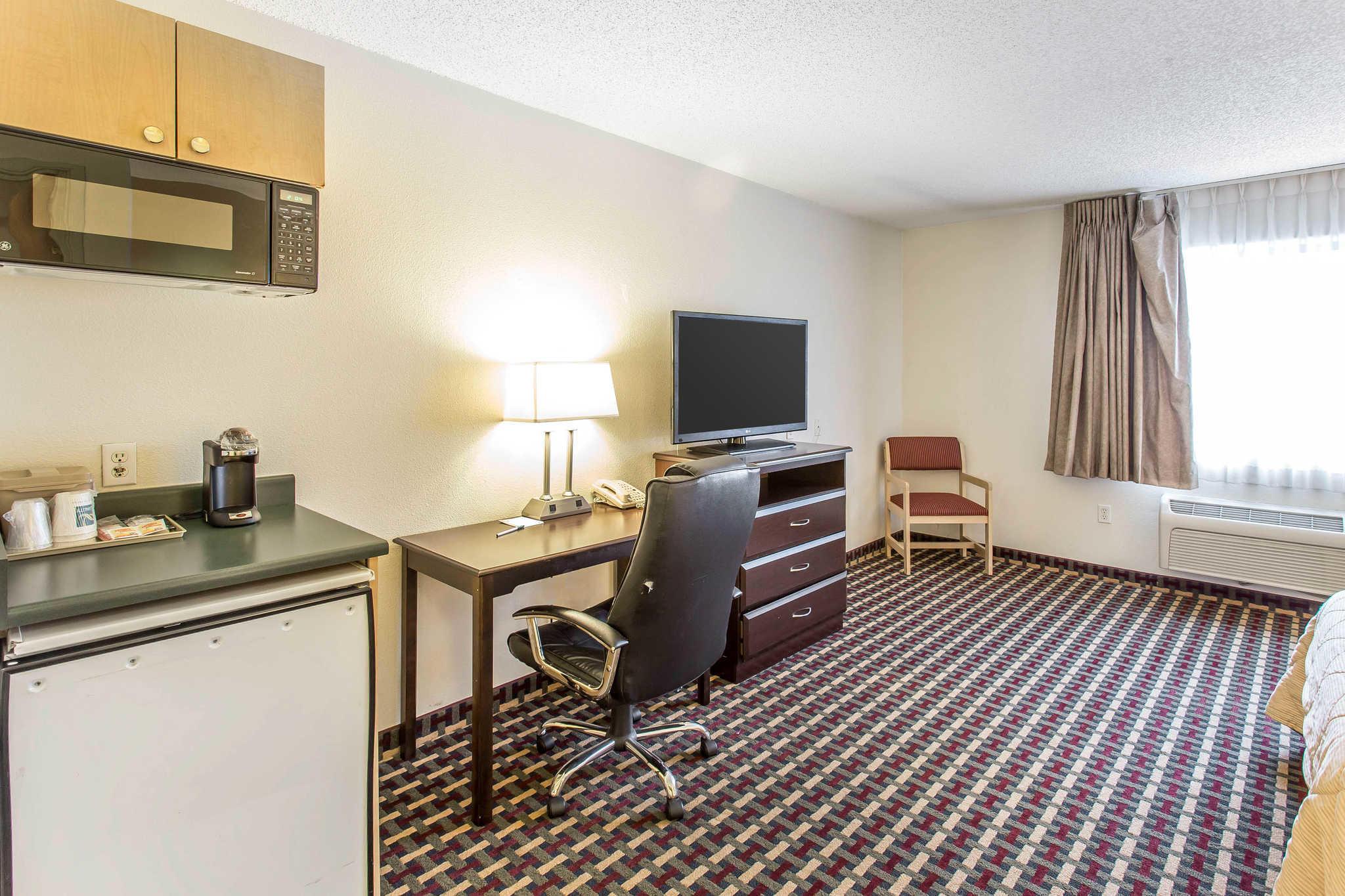 Quality Inn Amp Suites Lakewood Colorado Co