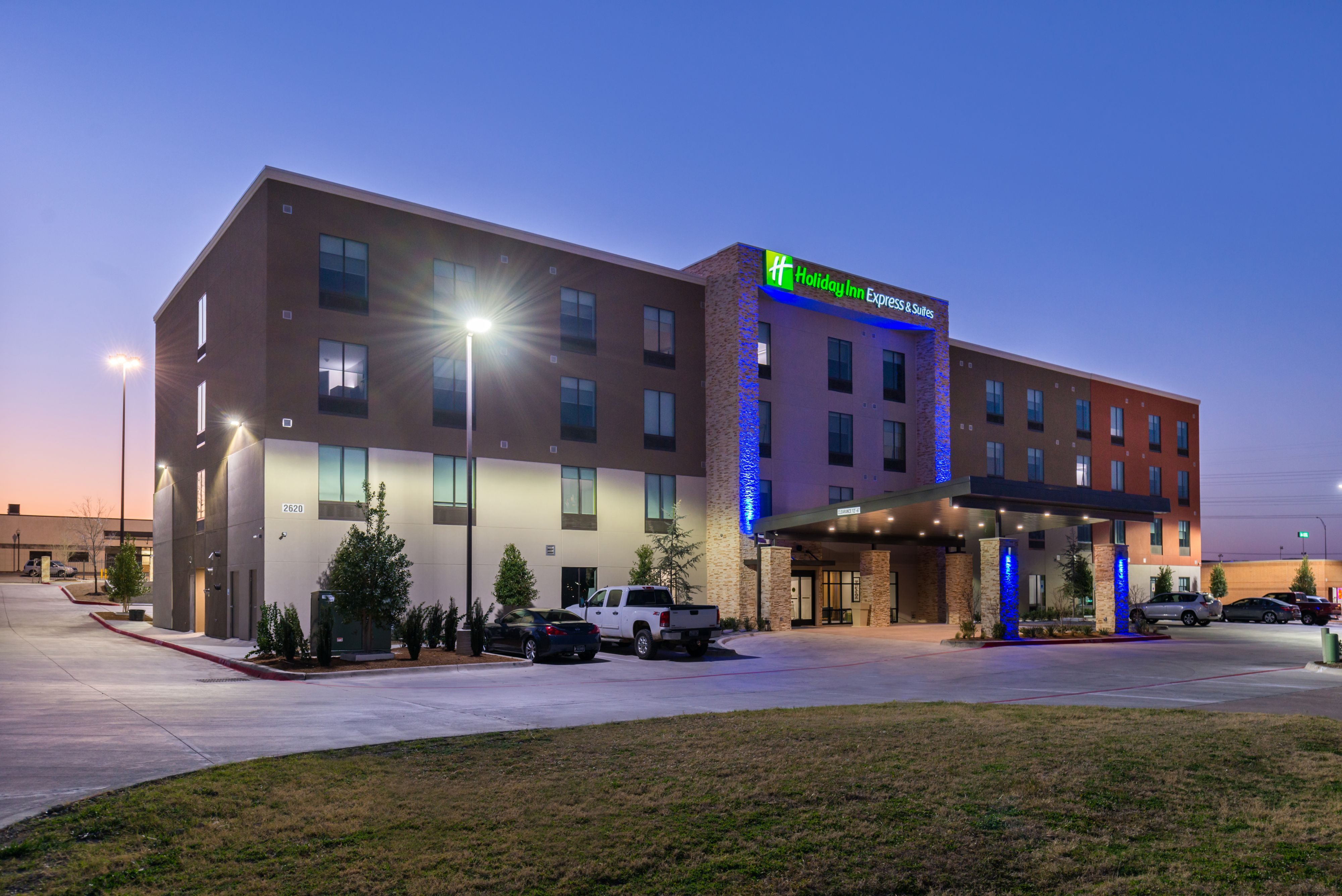 Holiday Inn Express Suites Dallas Ft Worth Airport Autos