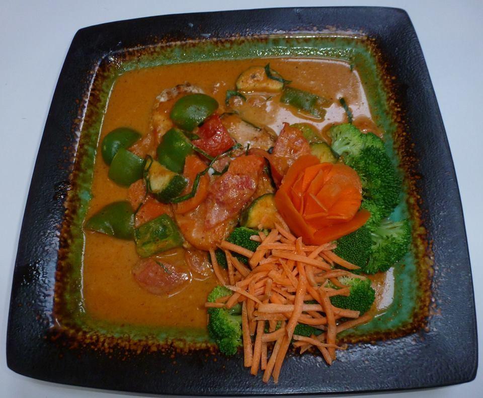 Chandara house authentic thai cuisine in lynden wa 98264 for Authentic thai cuisine los angeles ca