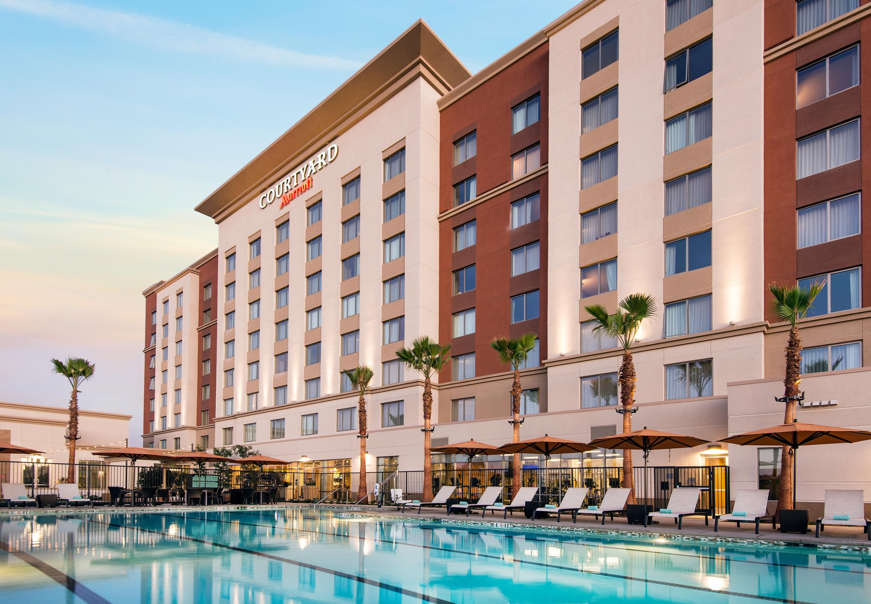 Hotels Near Irvine Improv