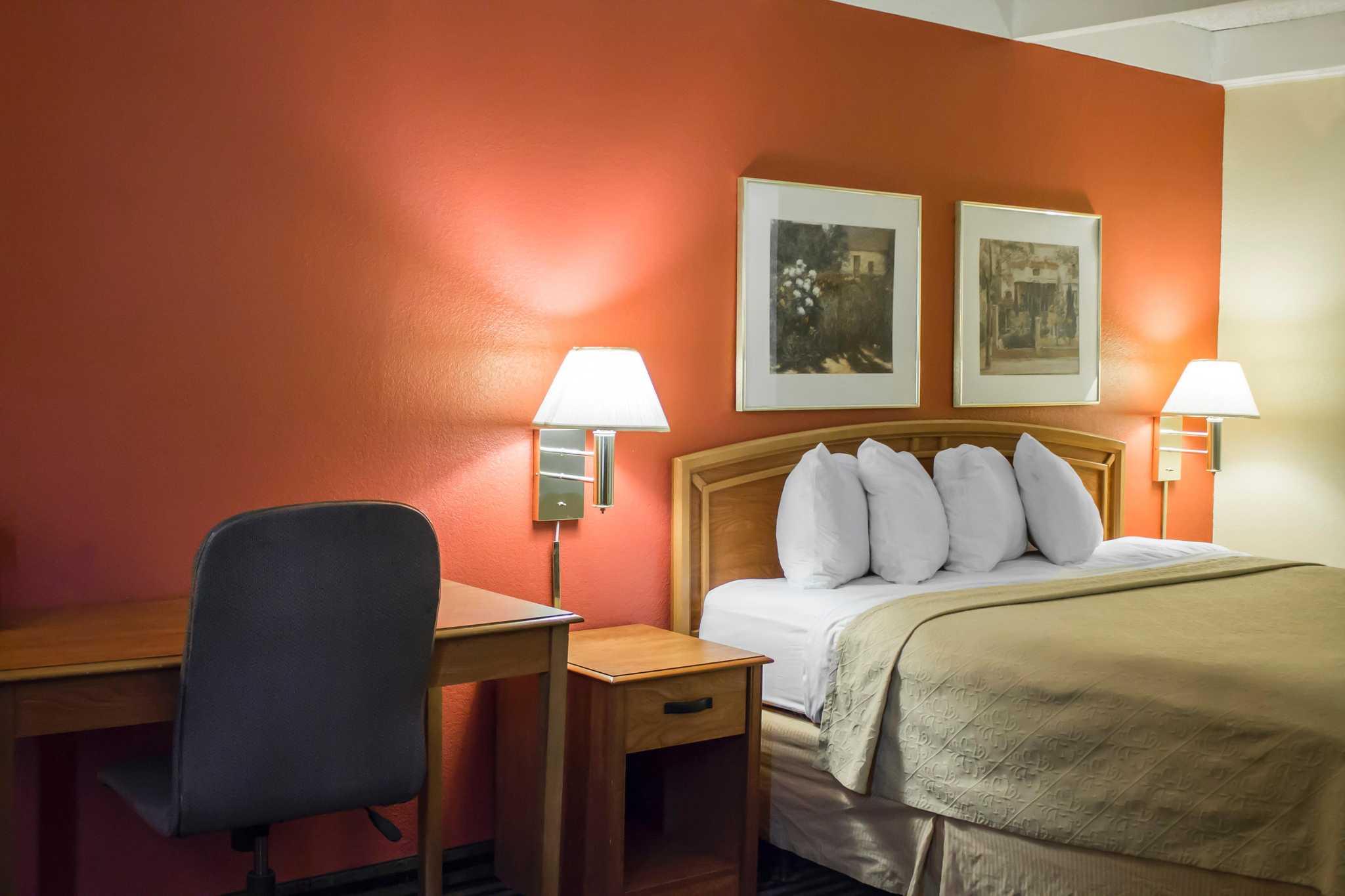 Hotels Near Willowick Ohio