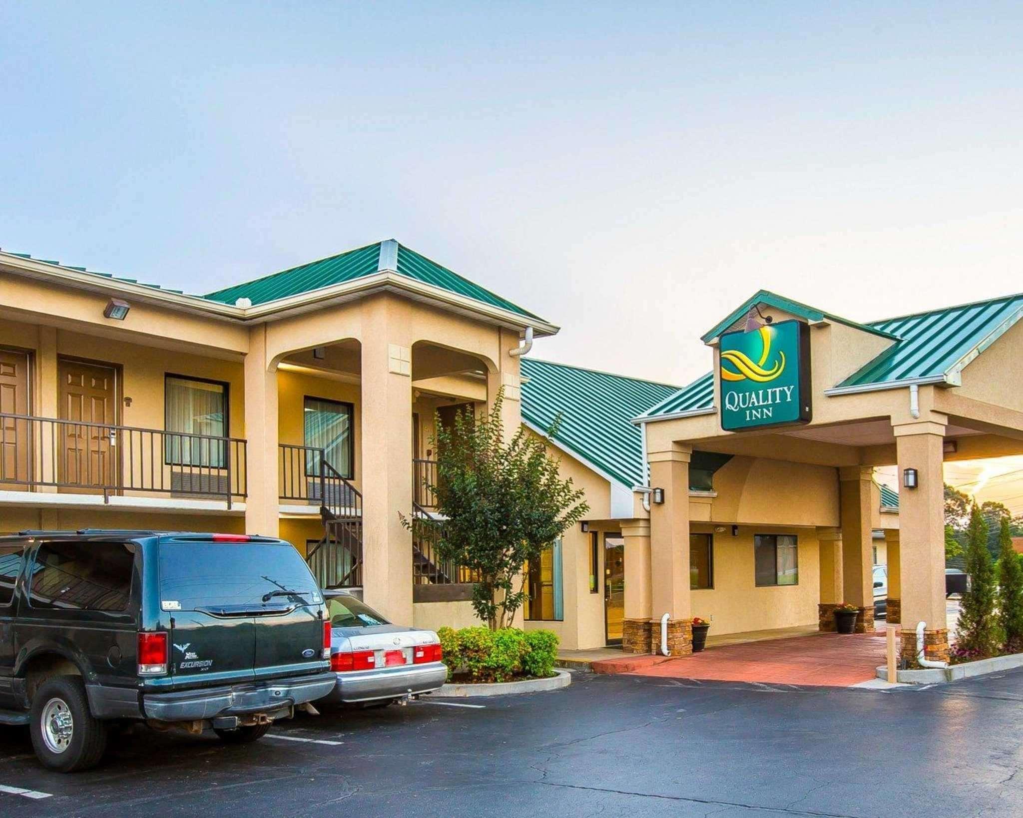 Quality Inn hotel in Dahlonega GA
