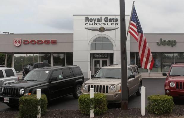 royal gate chrysler dodge jeep ram in ellisville mo 63011. Black Bedroom Furniture Sets. Home Design Ideas