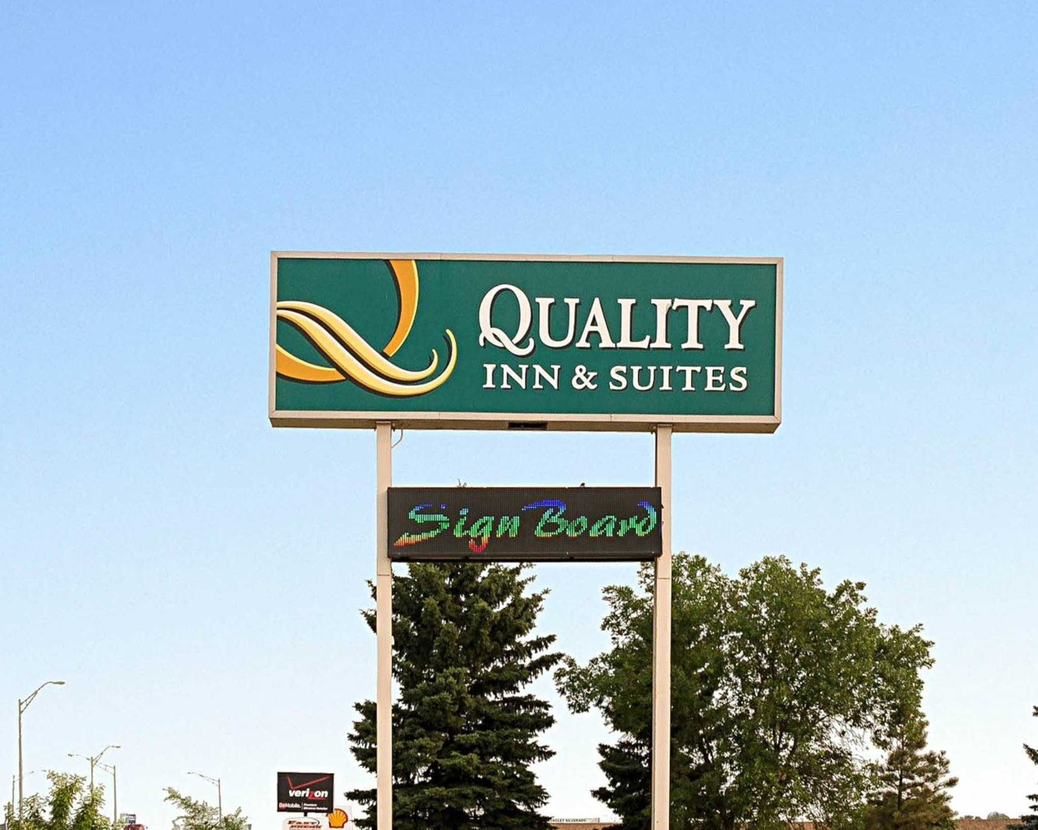 Quality inn suites jamestown north dakota nd for Quality hotel