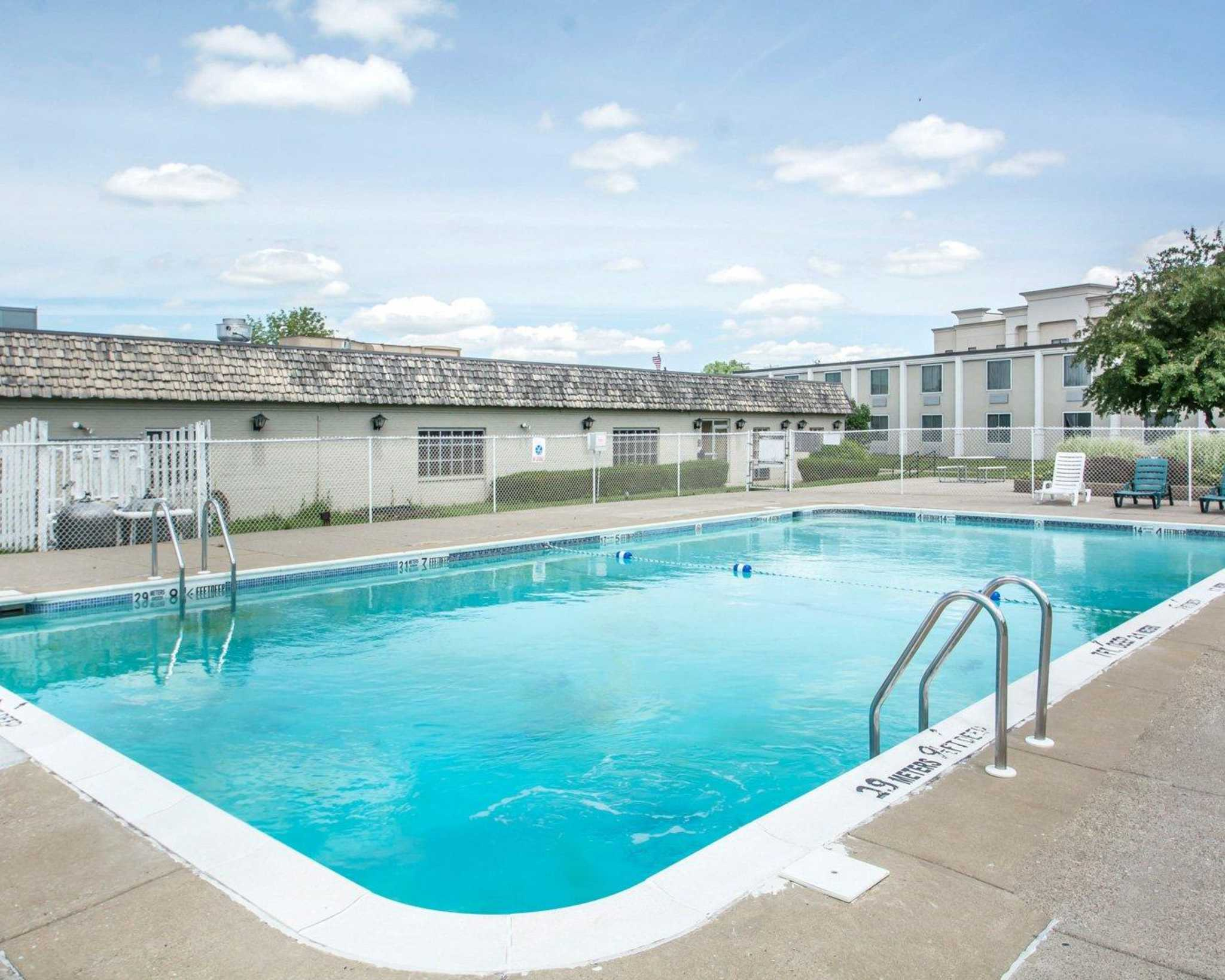 Hotels Near Geneseo University