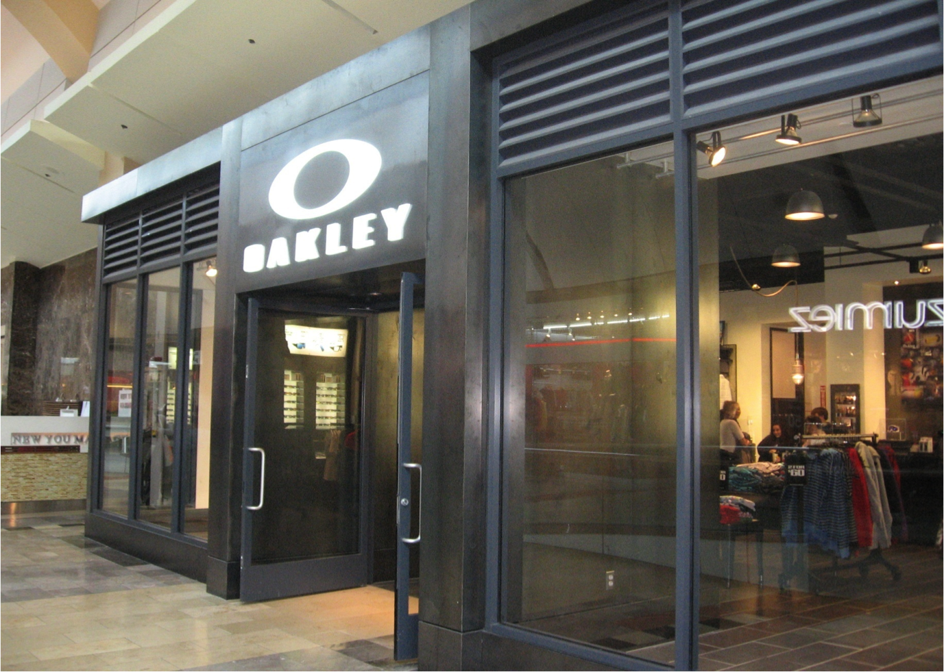 Oakley Store In Paramus Nj 07652