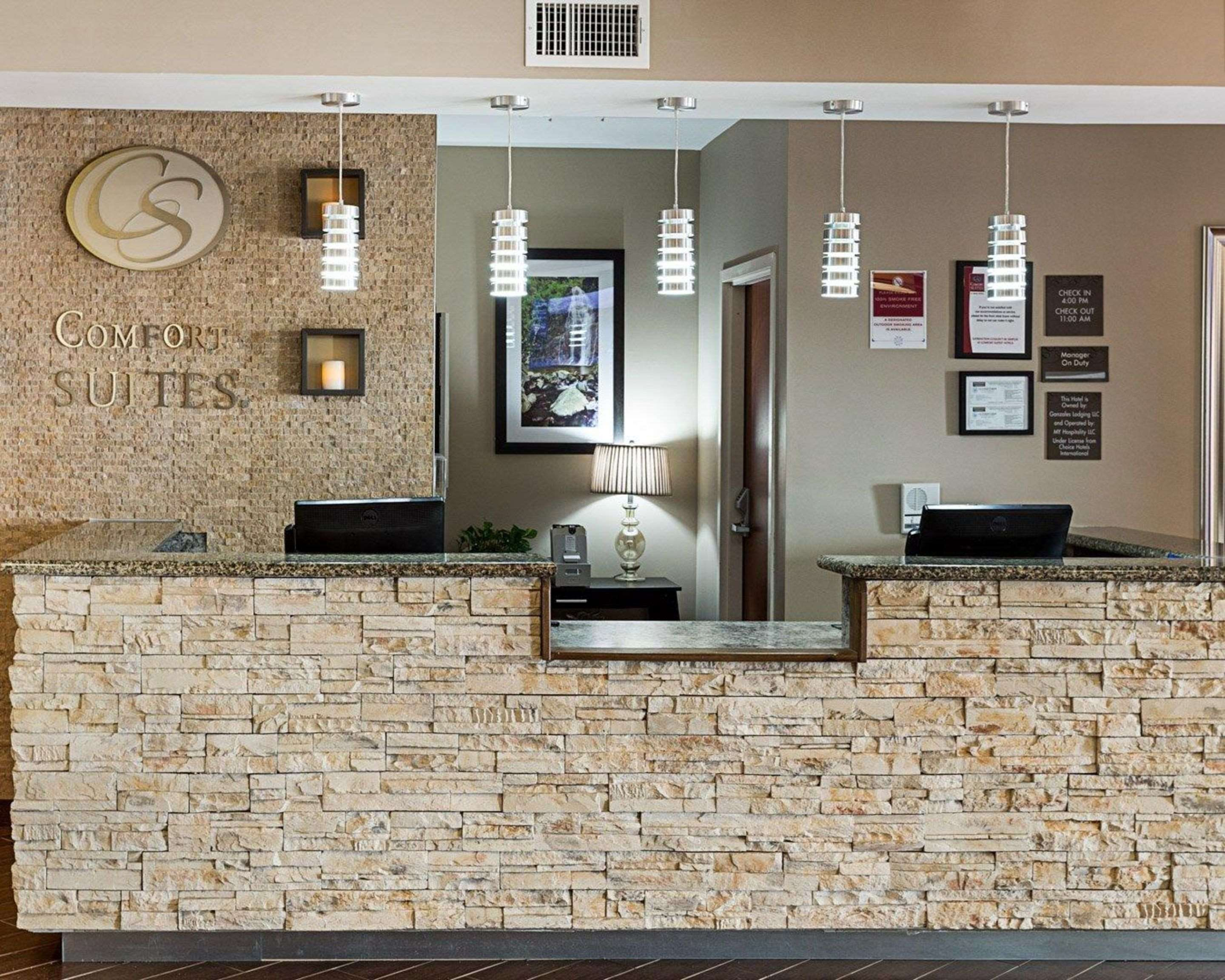 Comfort Suites Near Tanger Outlet Mall