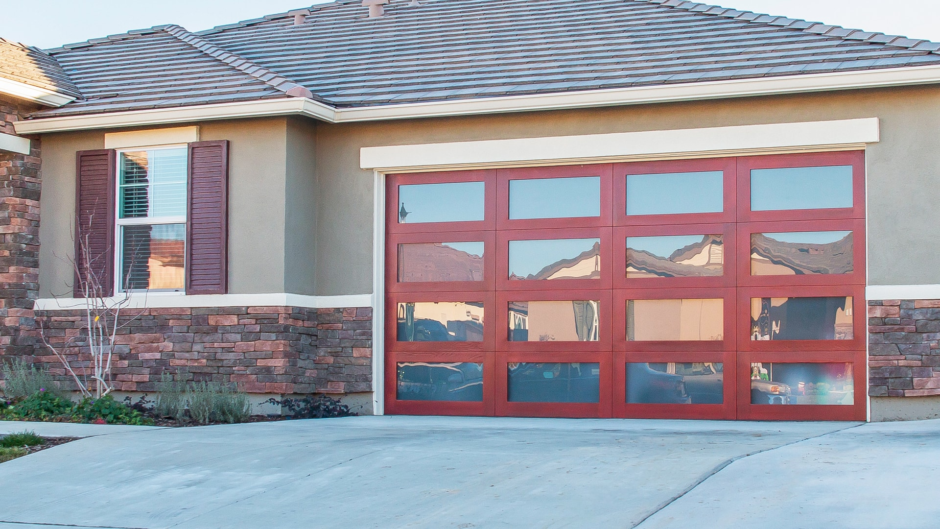 Carlos auto repair tire center in north hollywood ca for Garage door repair hollywood