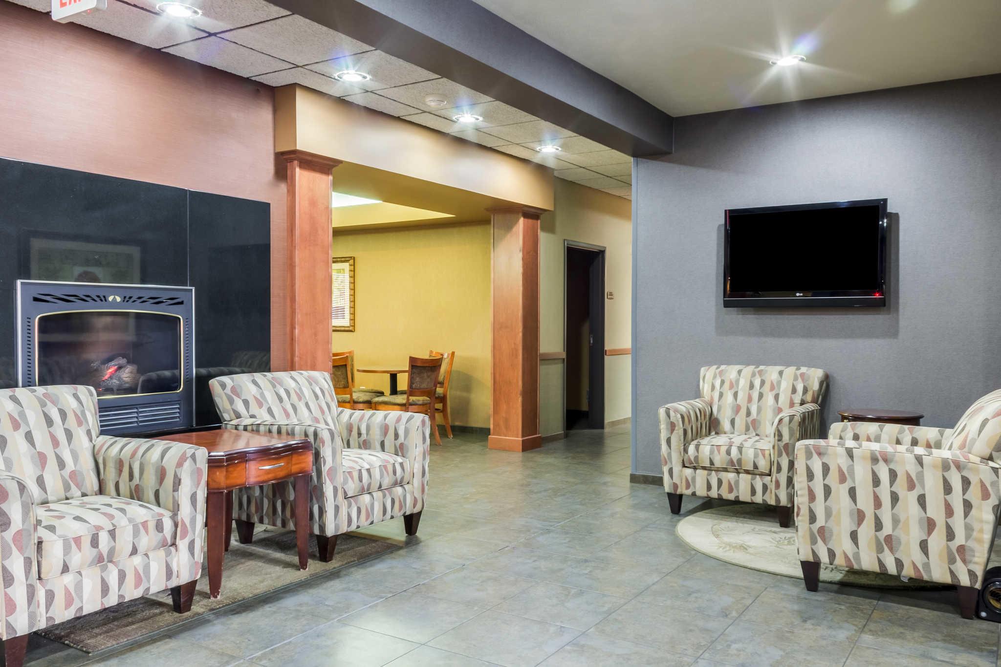 Comfort Inn Amp Suites Mitchell South Dakota Sd