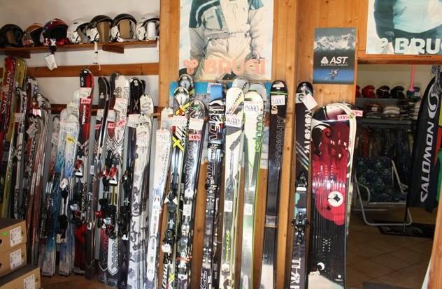 ITALKA - MiSca, s.r.o. - lyže, sportovní obuv Salomon, plastový nábytek