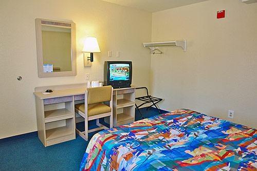 Motel 6 Twentynine Palms image 8