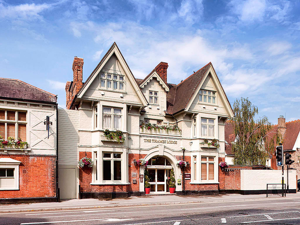 Mercure London Staines upon Thames Hotel - Staines, Surrey TW18 4SJ - 01784 334800 | ShowMeLocal.com