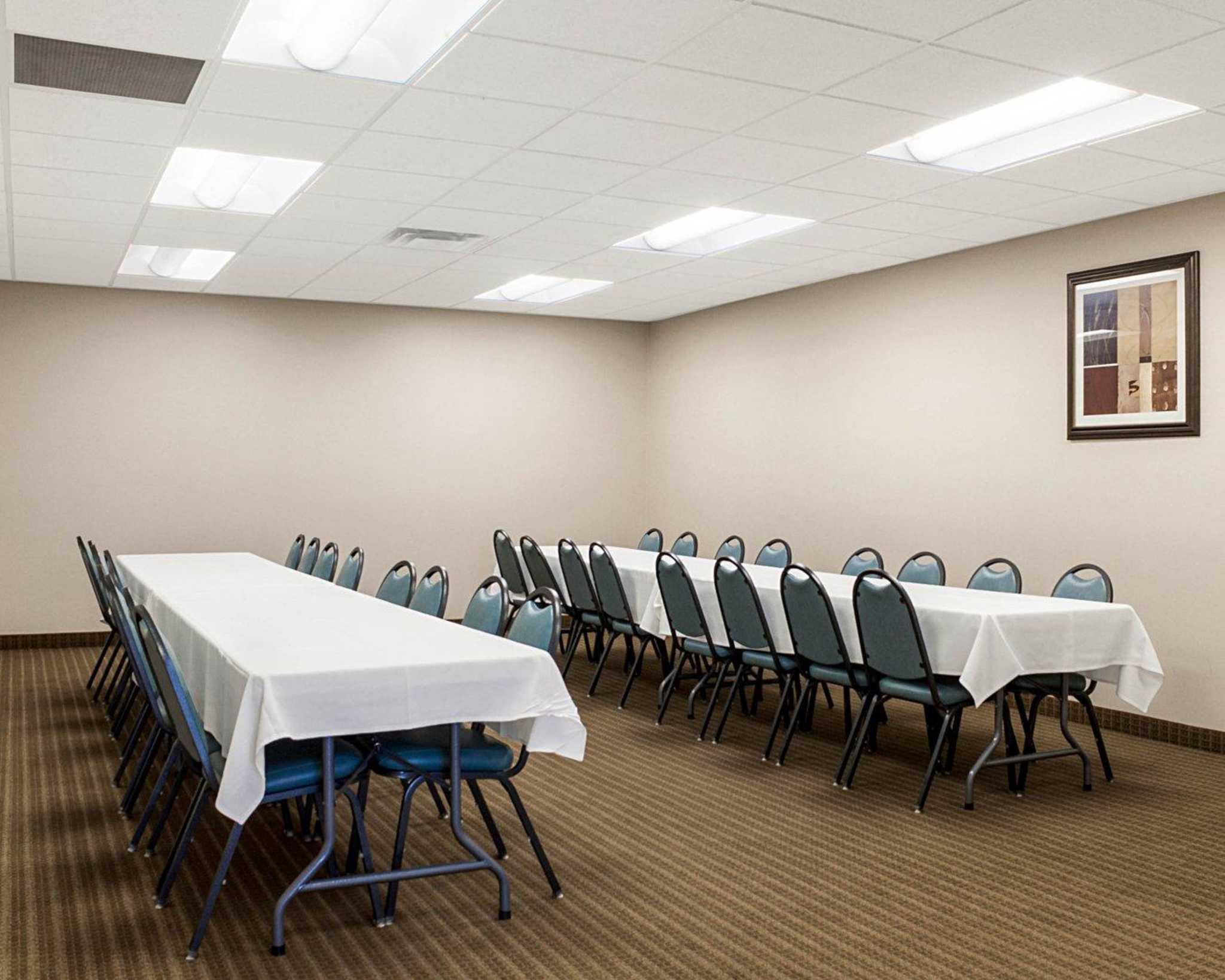 Quality Inn Amp Suites Jamestown North Dakota Nd